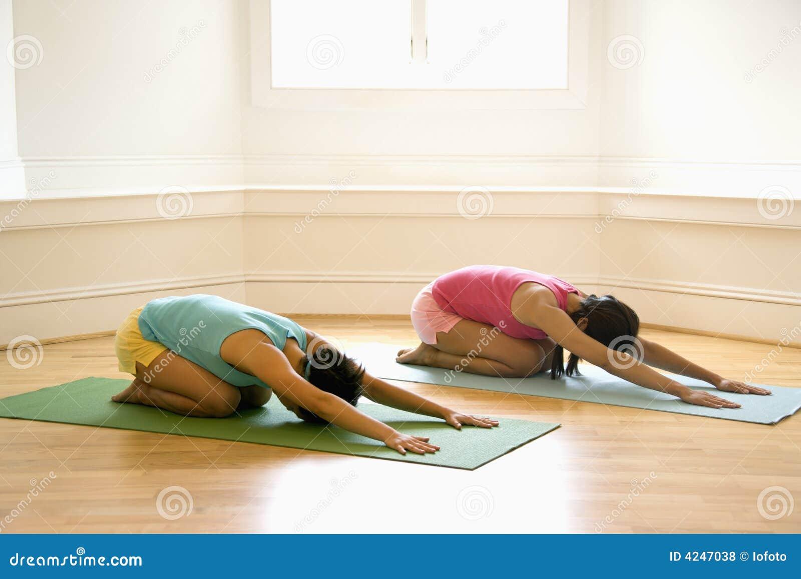 Mulheres da classe da ioga