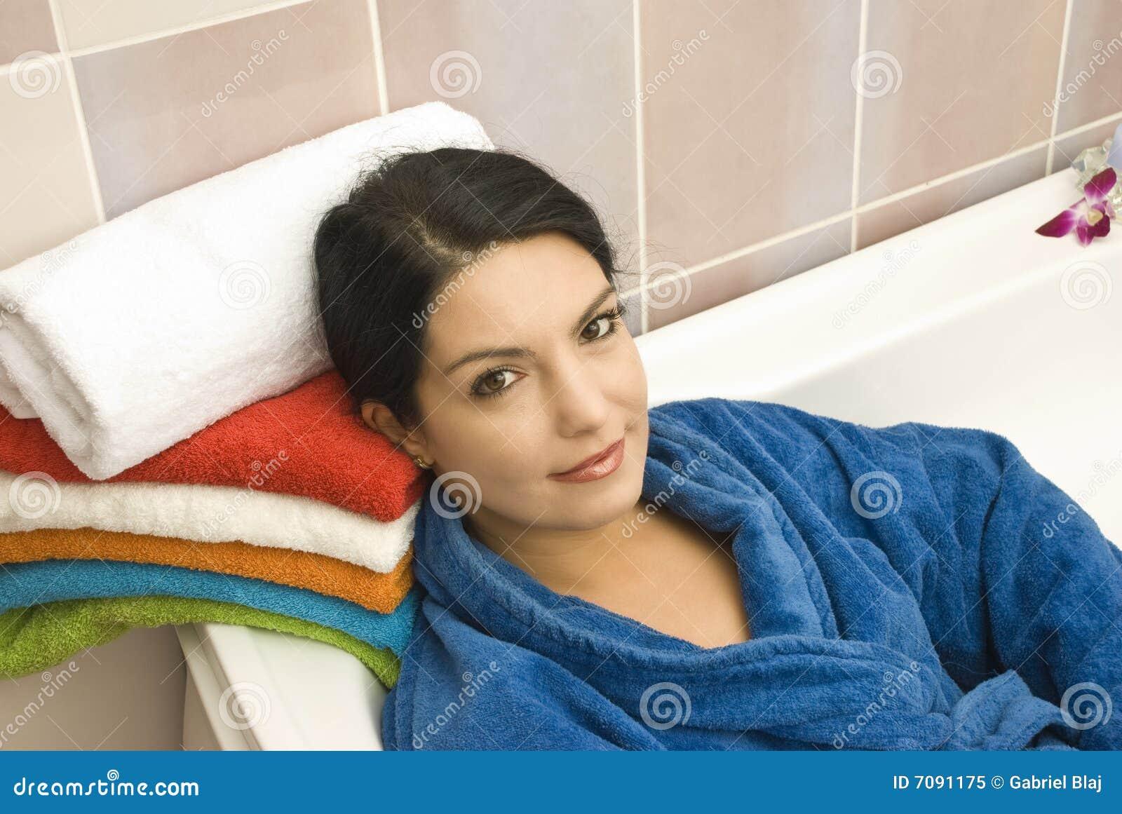 Mulheres Na Banheira Foto de Stock Royalty Free Imagem: 7091175 #A93622 1300x960 Banheiro Azul Banda