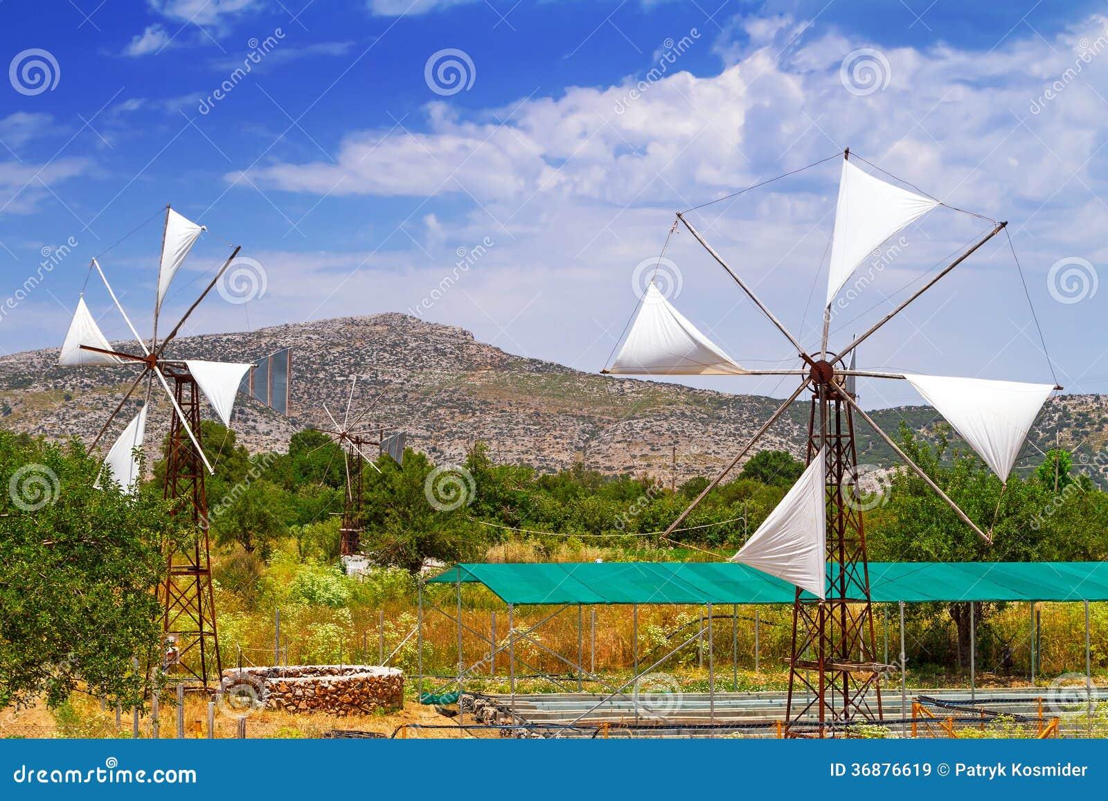 Download Mulini A Vento Bianchi Del Plateau Di Lasithi Su Creta Immagine Stock - Immagine di architettura, rurale: 36876619