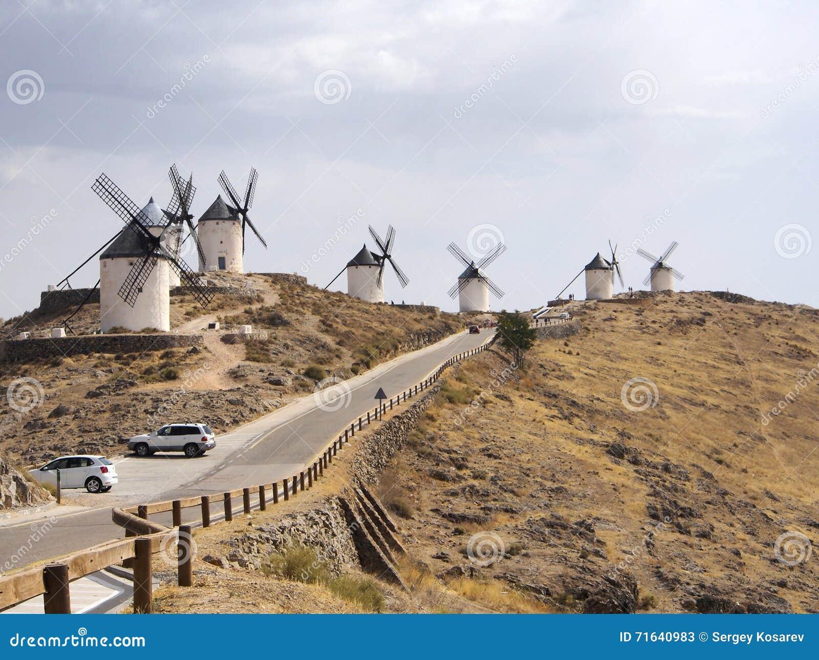 Mulini a vento tradizionali famosi a Consuegra, Toledo, Spagna