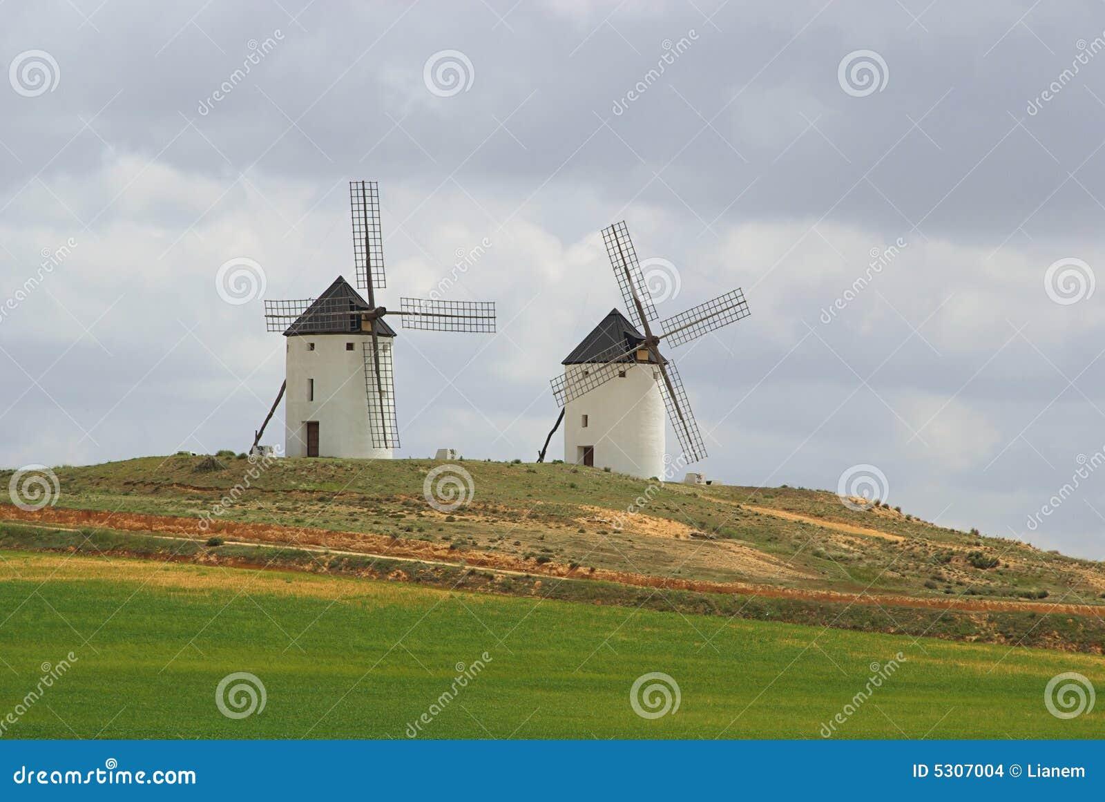 Download Mulino A Vento 04 Di Tembleque Fotografia Stock - Immagine di estate, rotazione: 5307004