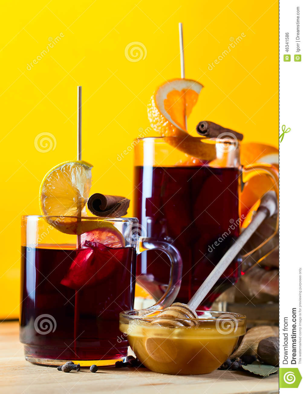 Mulled Wine With Spices And Fruits Stock Photo - Image: 46341586