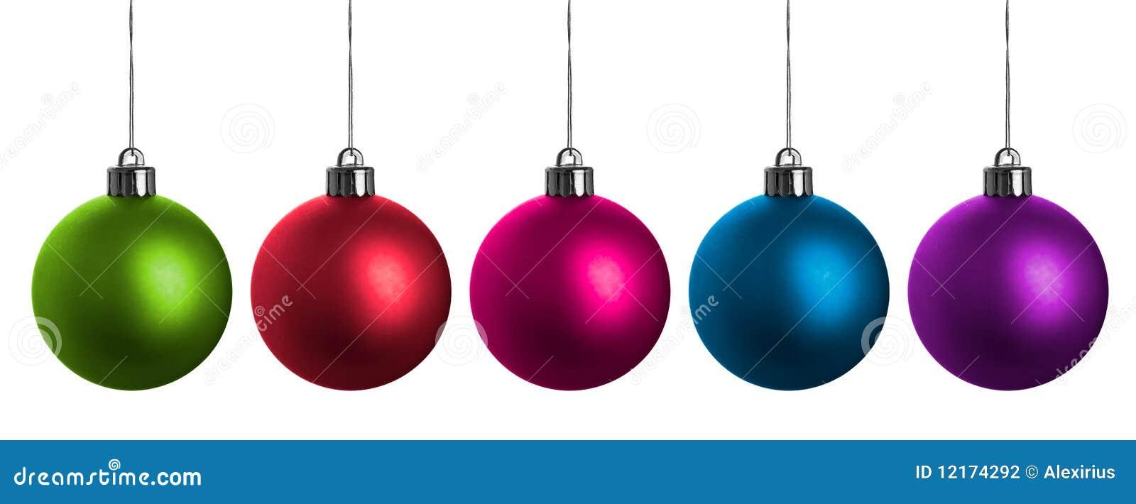 Multi-colored ballen van Kerstmis die op wit worden geïsoleerdo.