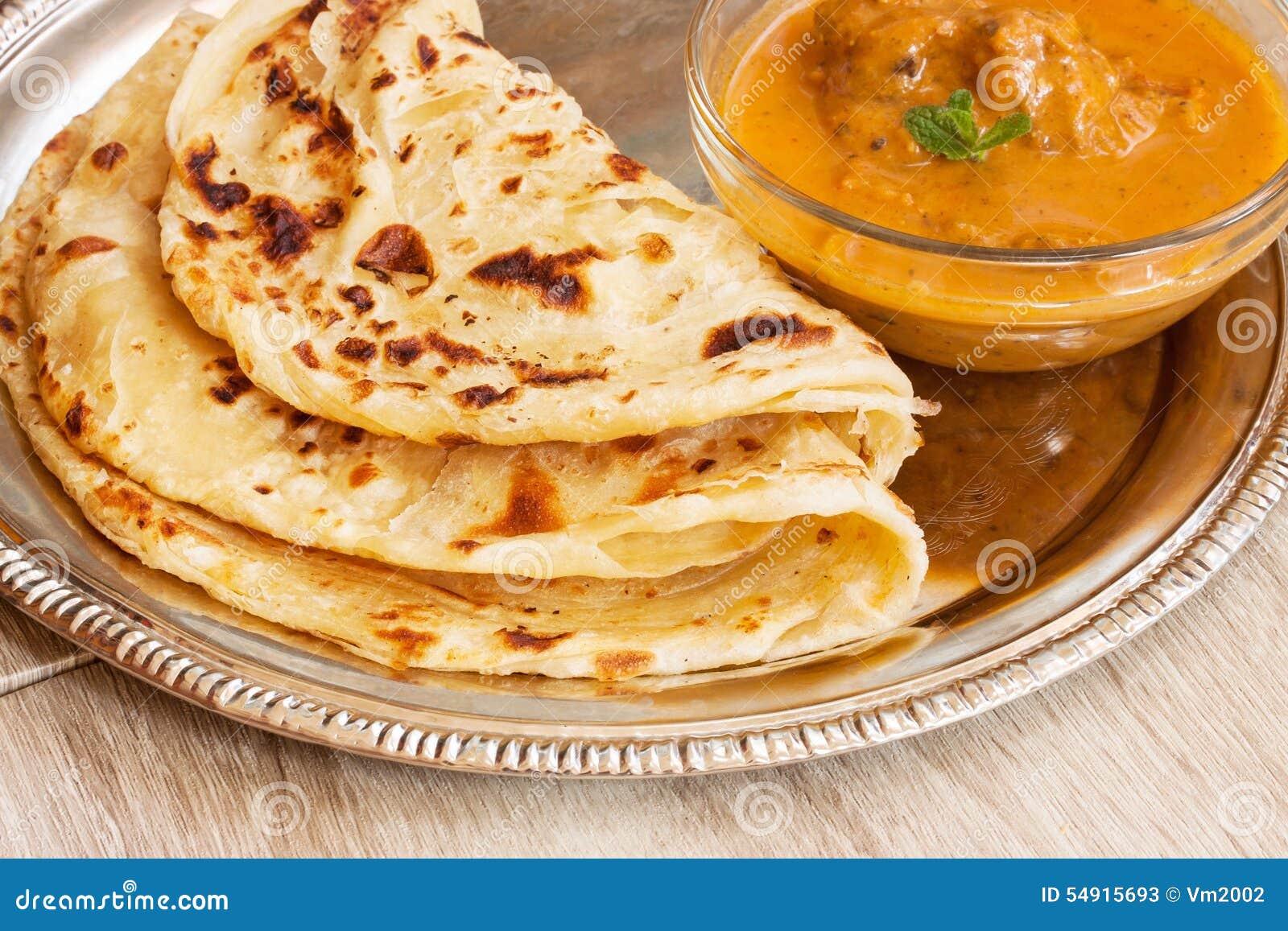 Multi de Porotta del parantha de Roti acodada con curry