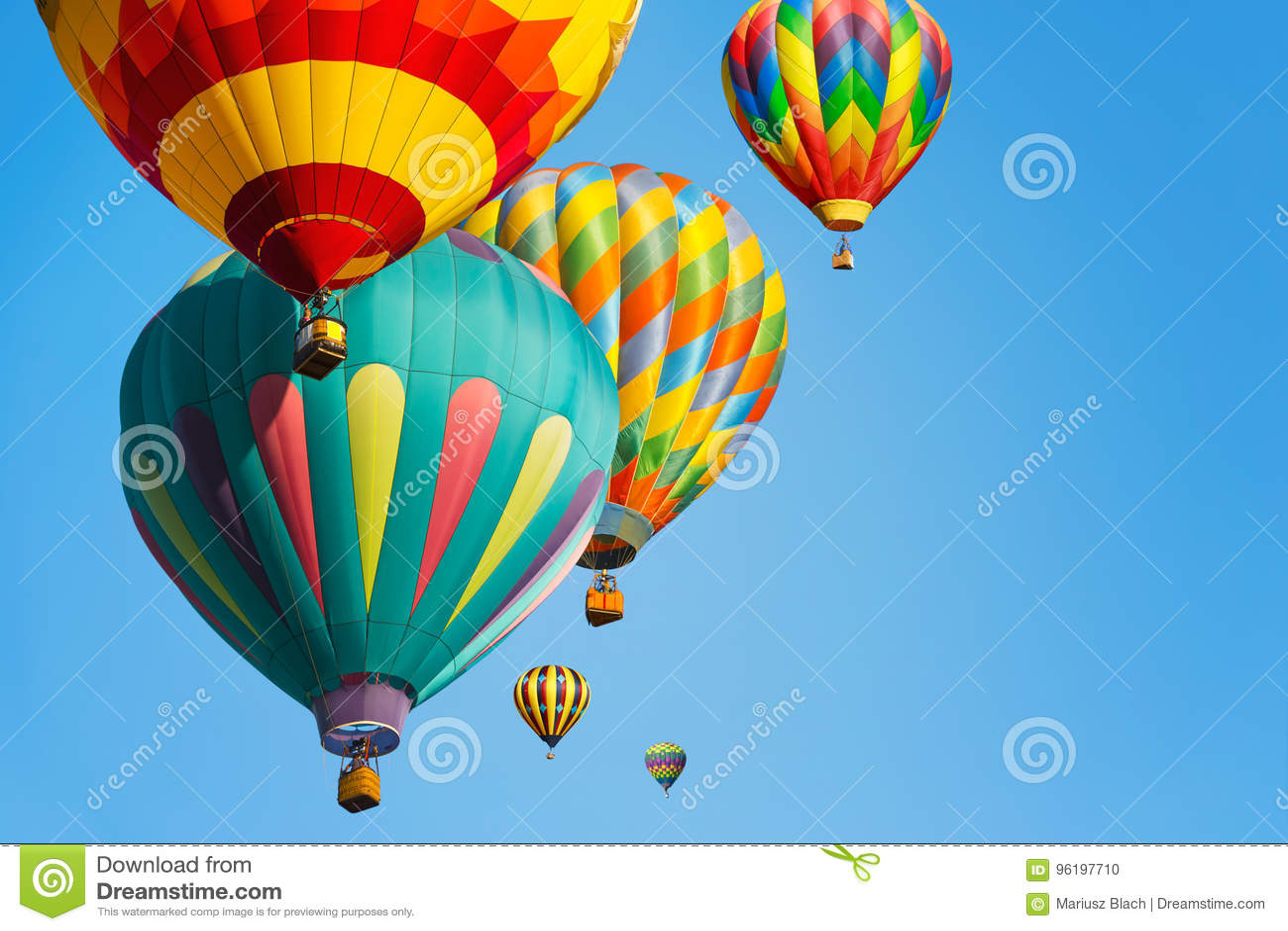 Multi gekleurde hete luchtballons