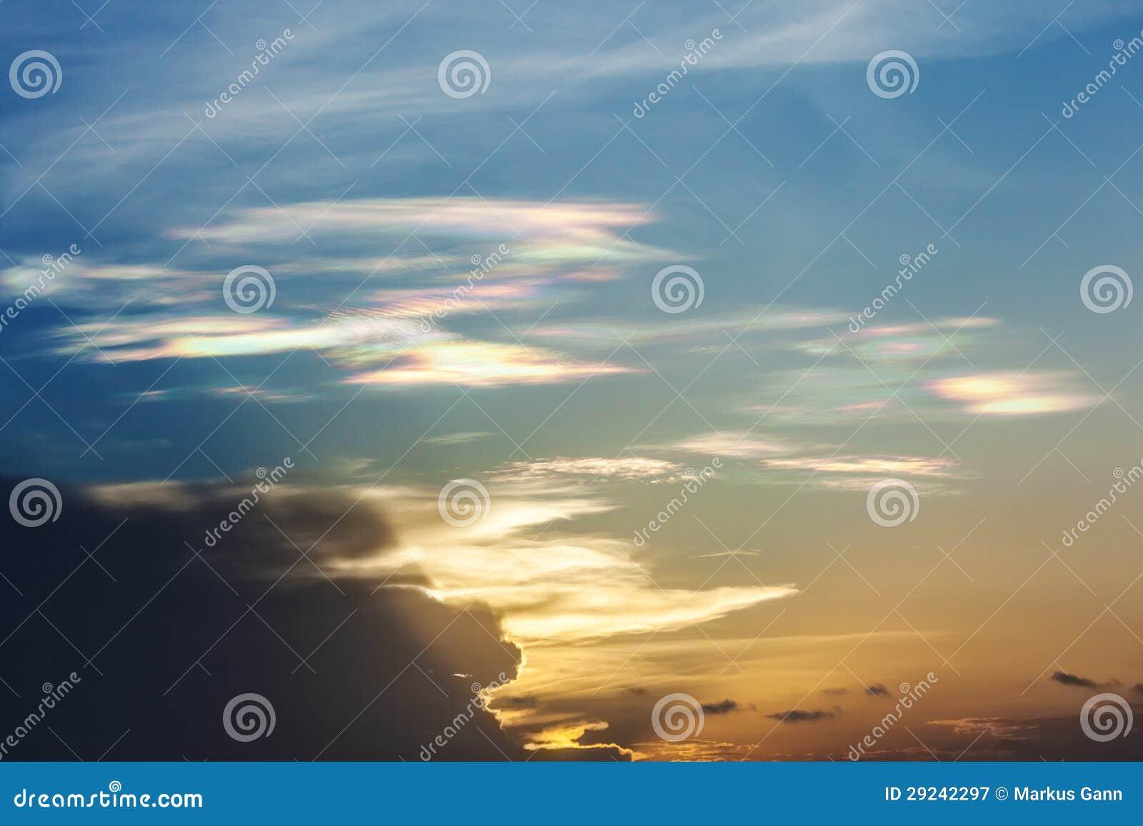 Download Multi nuvem da cor imagem de stock. Imagem de fundo, cenário - 29242297