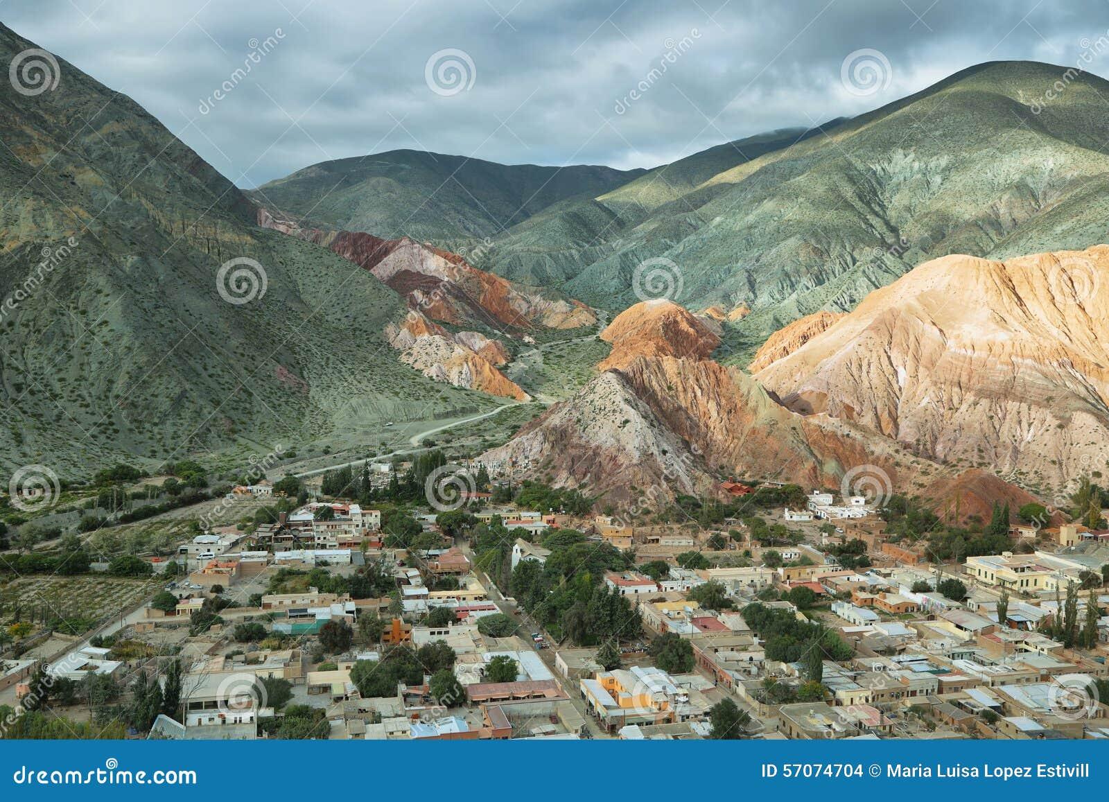 Multicolored bergen als Cerro DE los 7 colores worden bekend die