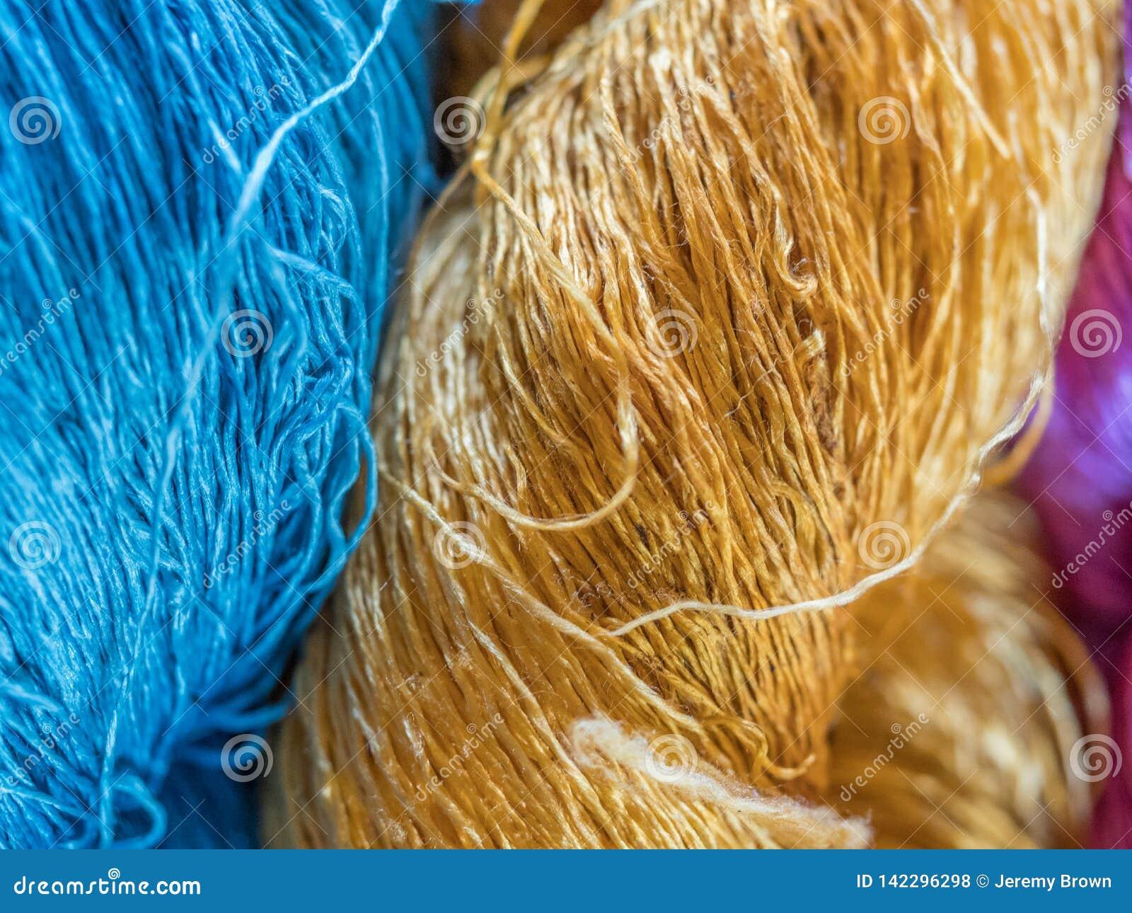 Multicoloured natuurlijke zijde Organische lao kleurstoffen, Luang Phabang