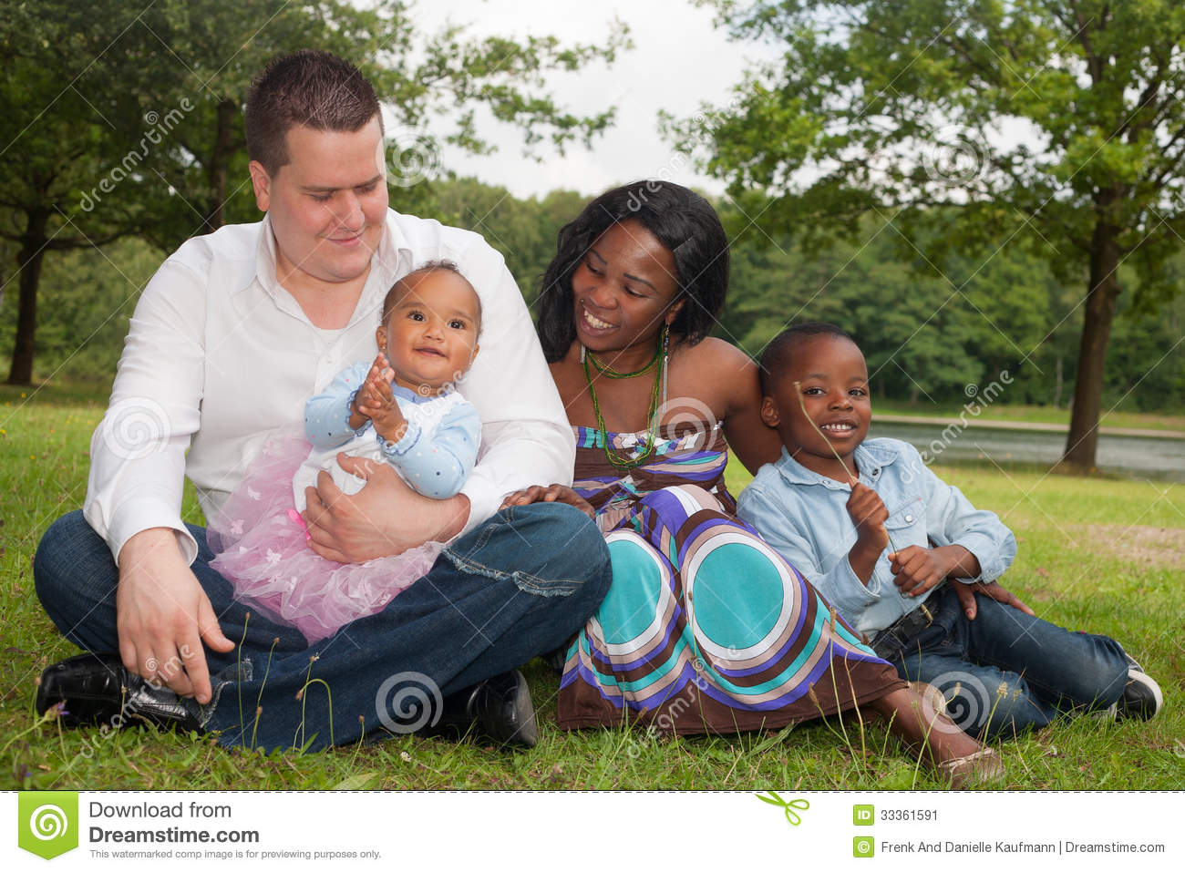 multicultural family Multicultural family in south korea is a family that made up of people of non-korean culture as the number of multicultural families increased in korean society, the number of children of multicultural family also increased.