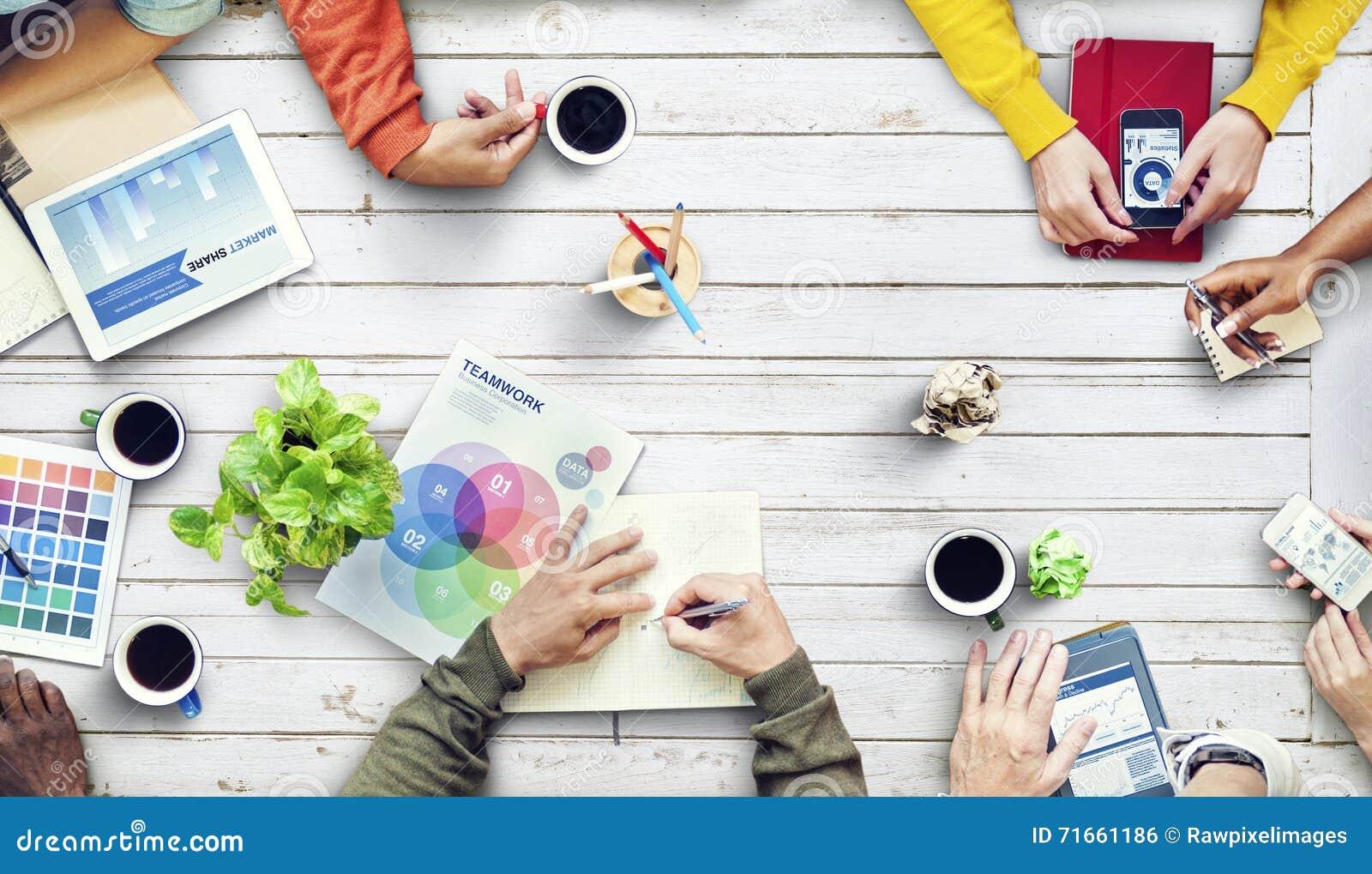 Multietnisk formgivare Brainstorming Contemporary Concept