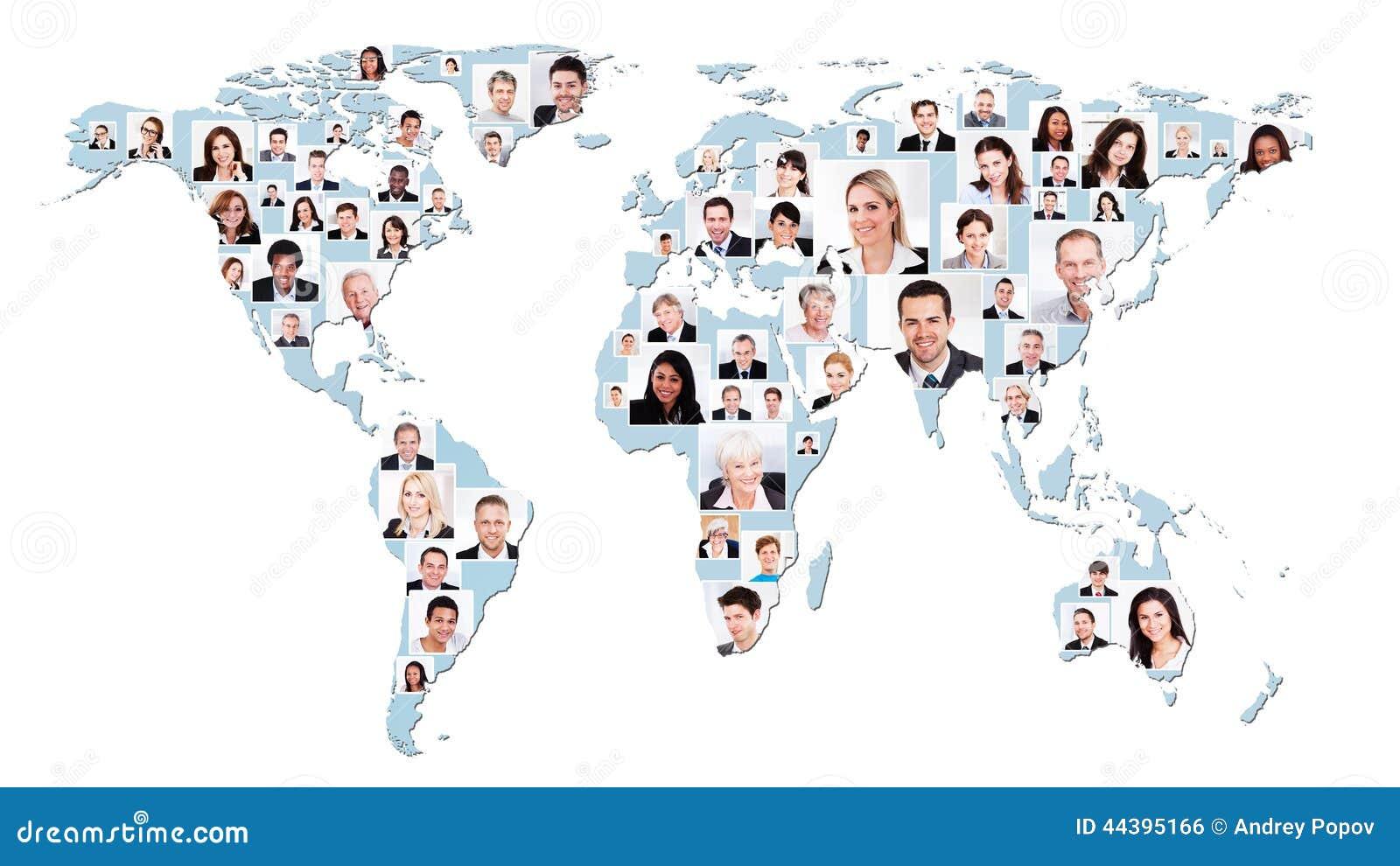 Multietniskt affärsfolk på världskarta