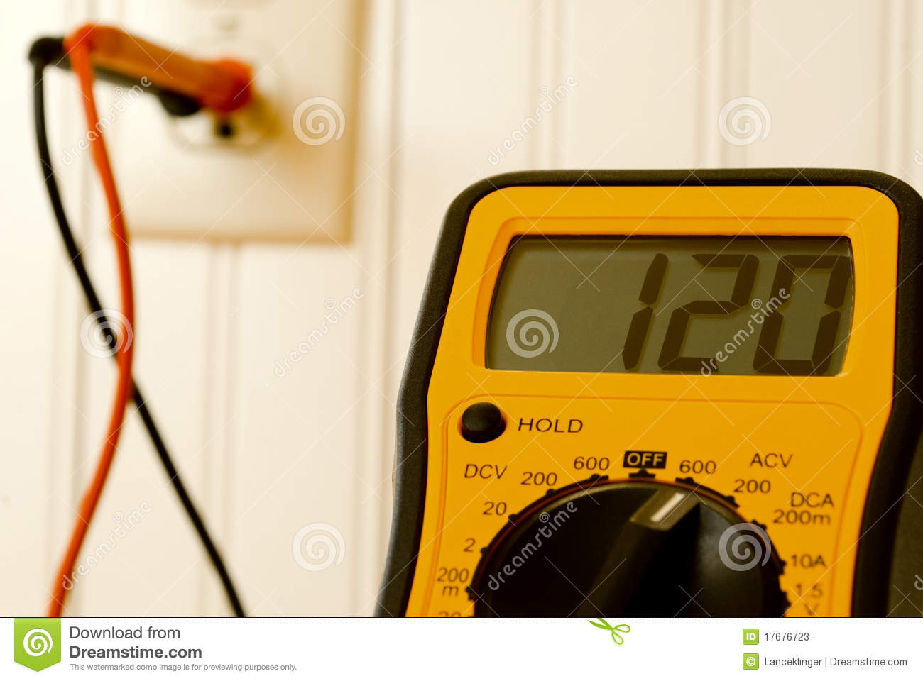 how to test wall outlet with multimeter