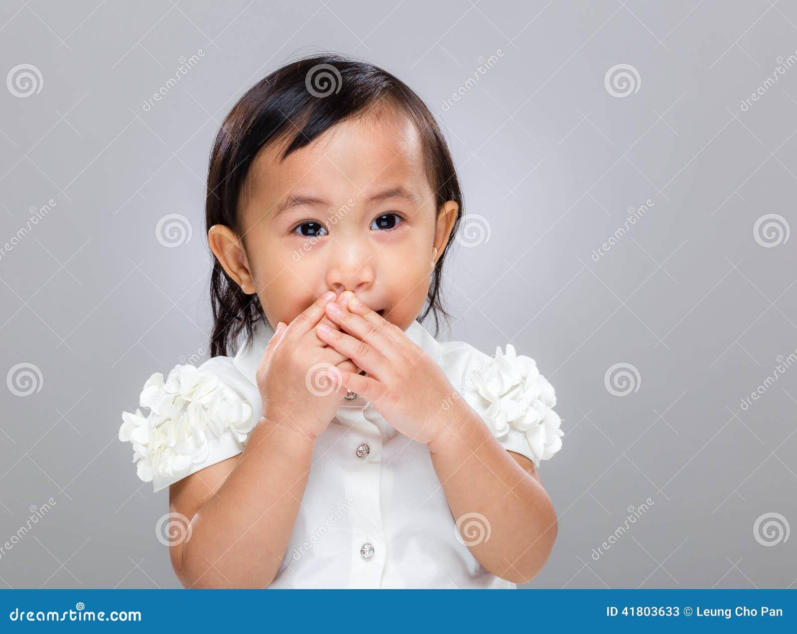 Multiracial dziecka utrzymania zaciszność