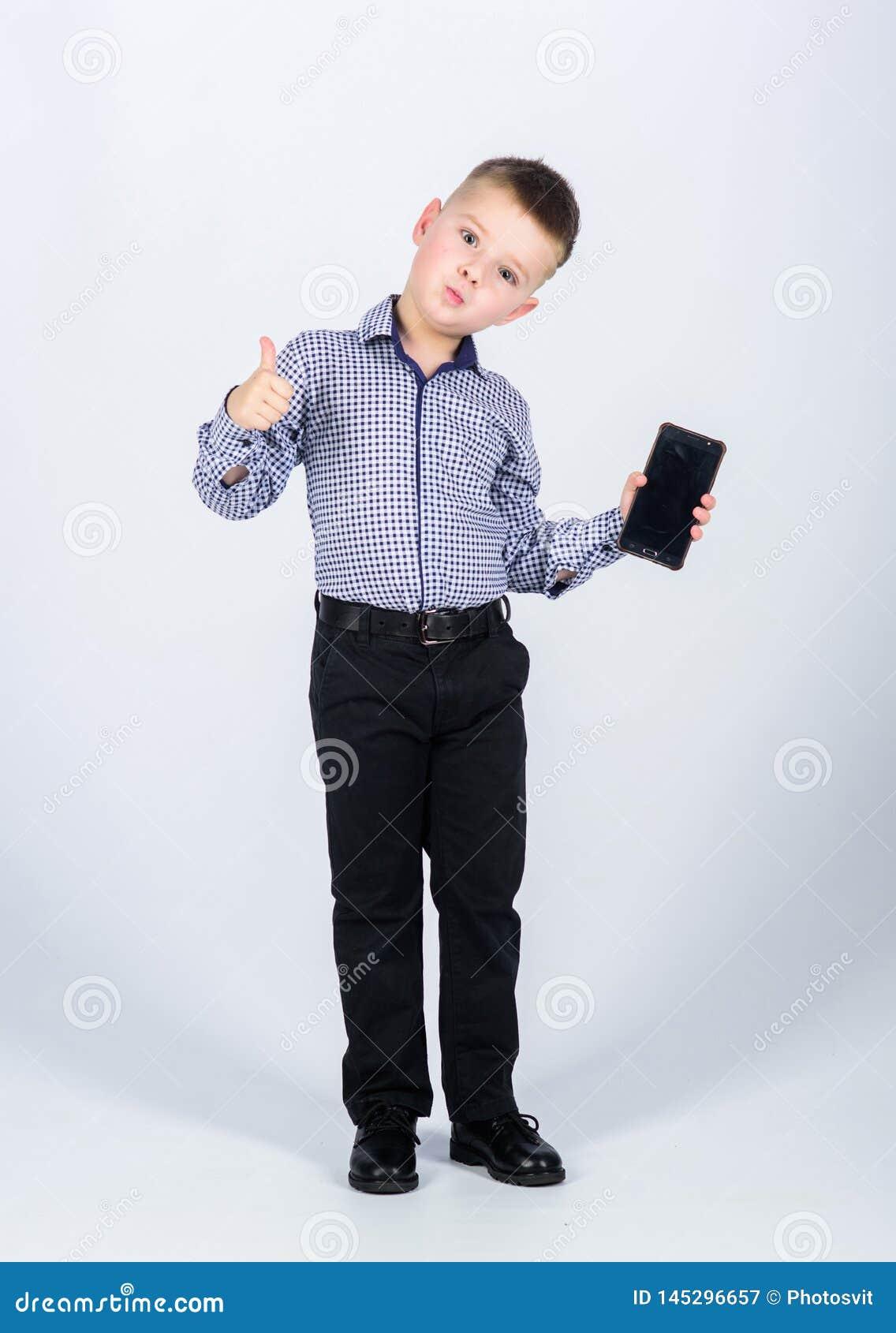 Multitasking Hombre de negocios Vida de la oficina Conversaci?n E r
