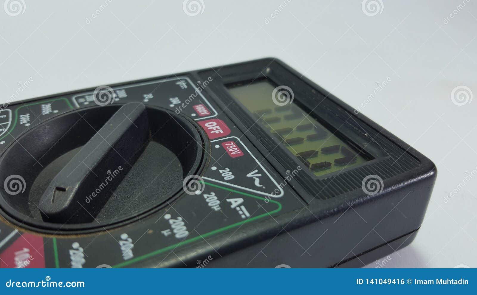 Multy tester, utrustning för elektronisk tekniker som ut finner skada