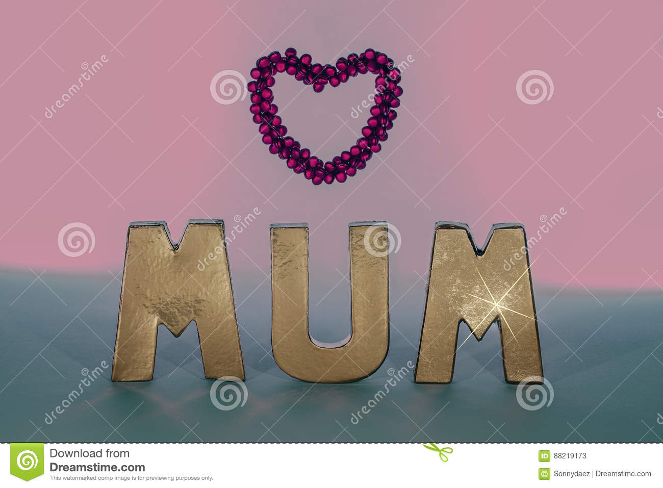 Mum In Gold Letters With Pink Love Heart Frame. Pastel Colors. Stock ...