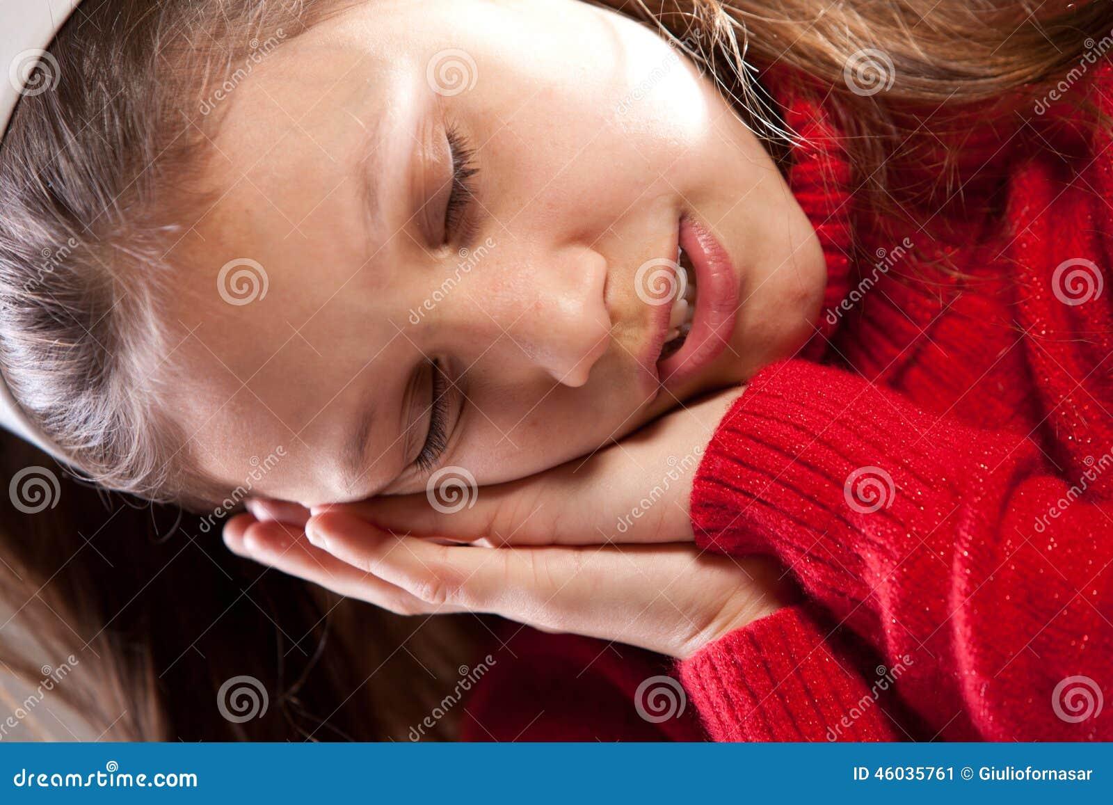 Little girl sleeping facial you
