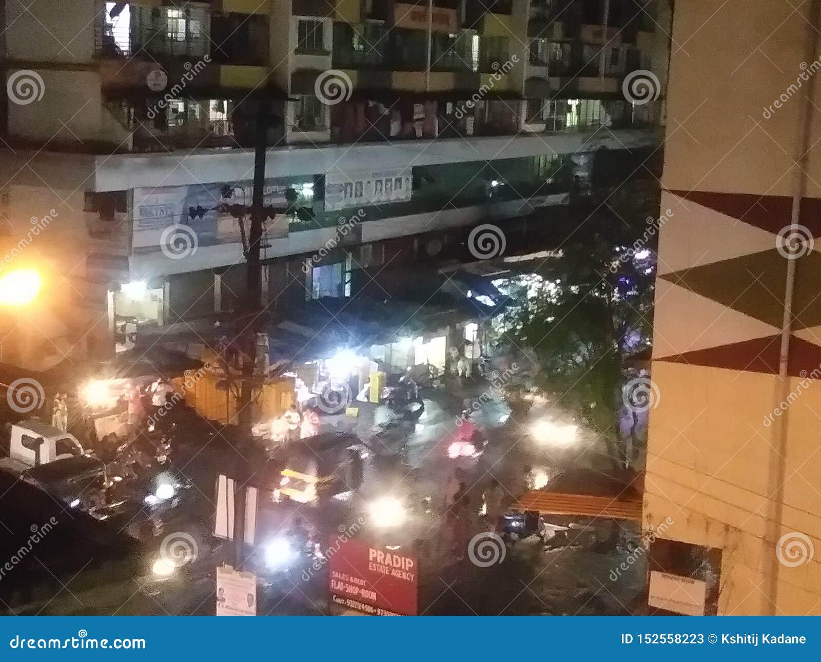 Mumbai suburbansstad av gatan