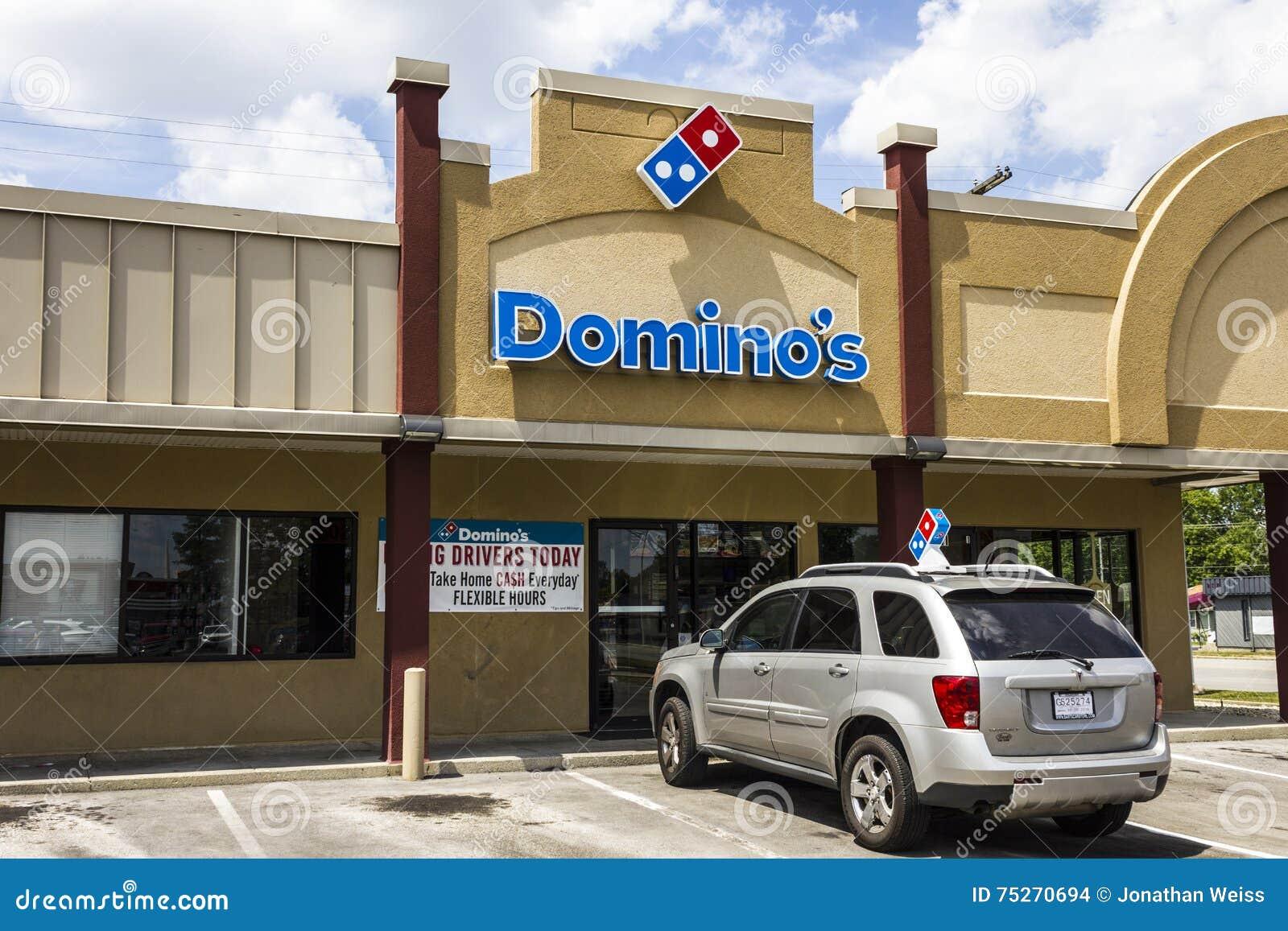 Muncie, IN - Circa August 2016: Domino\'s Pizza Carryout Restaurant ...