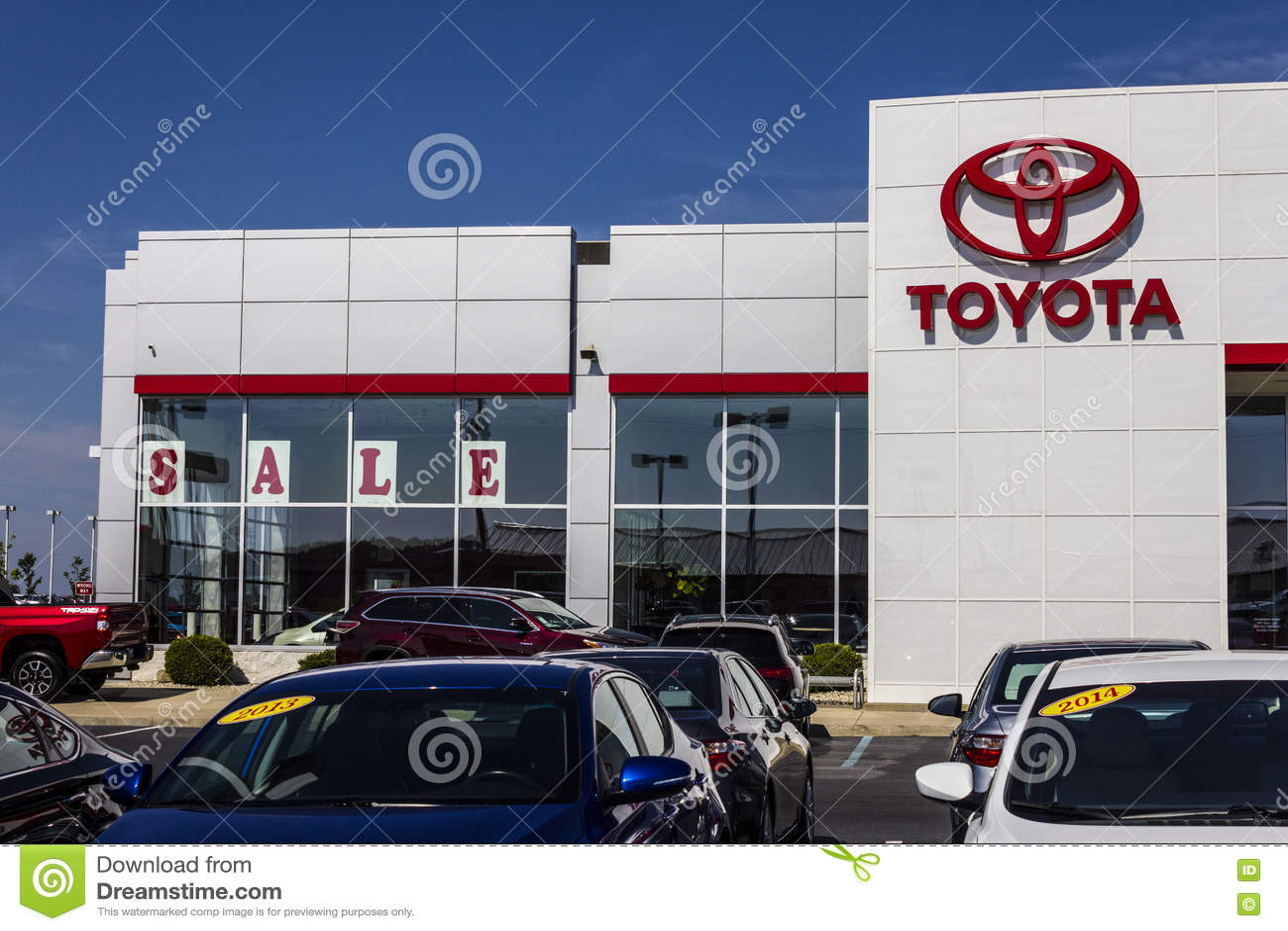 Muncie Car Dealers >> Muncie In Circa August 2016 A Local Toyota Car And Suv