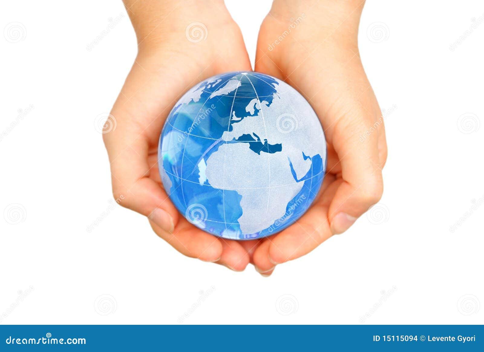 Mundo en manos foto de archivo. Imagen de holding