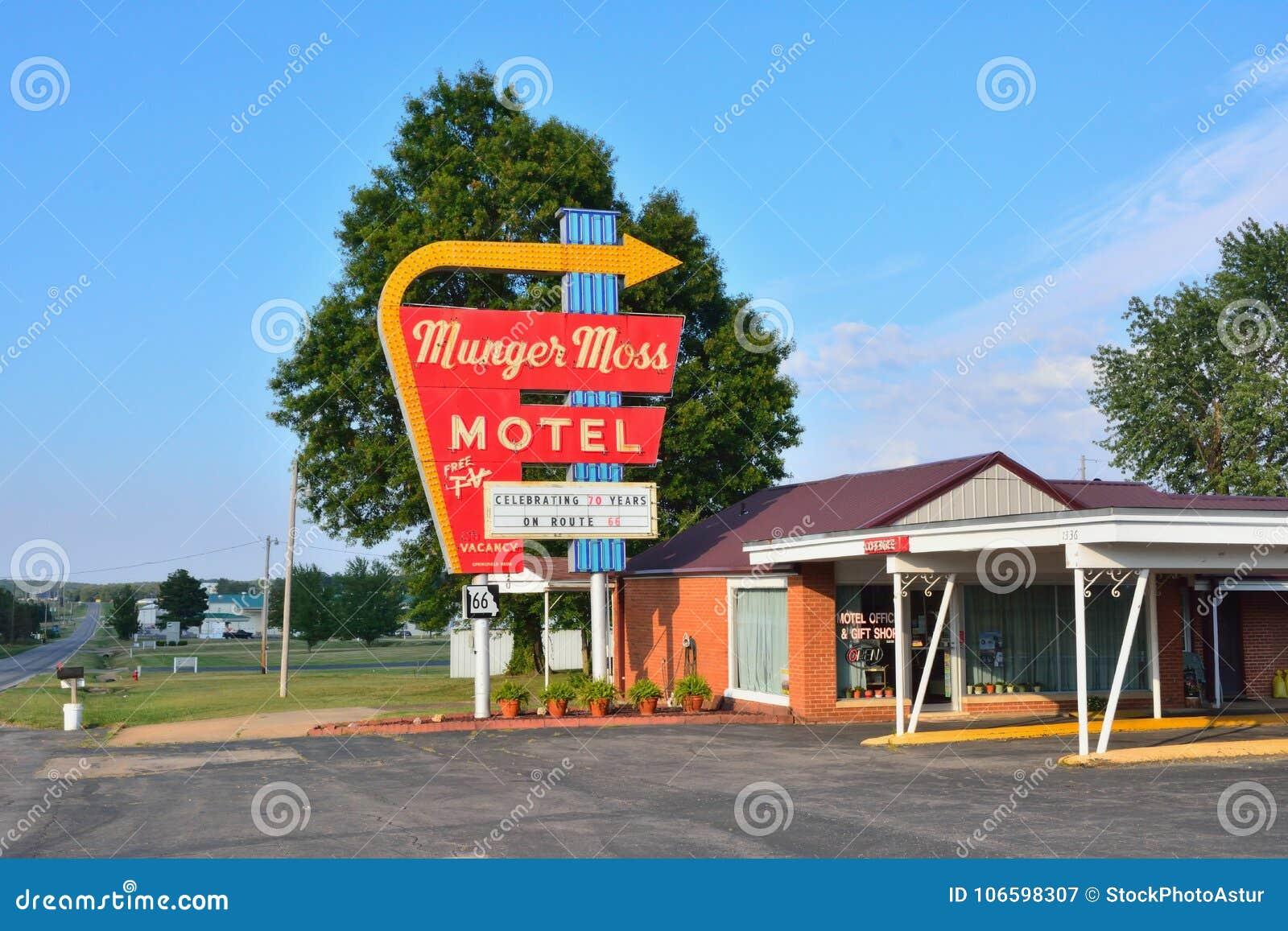 Munger Moss Motel en uitstekend neonteken