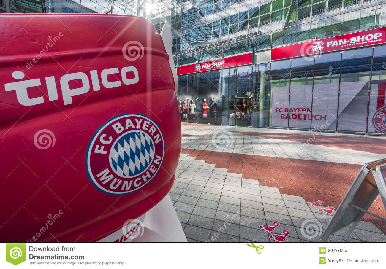 pretty nice 9cd45 11136 In Munich airport editorial photo. Image of cafe, germany ...