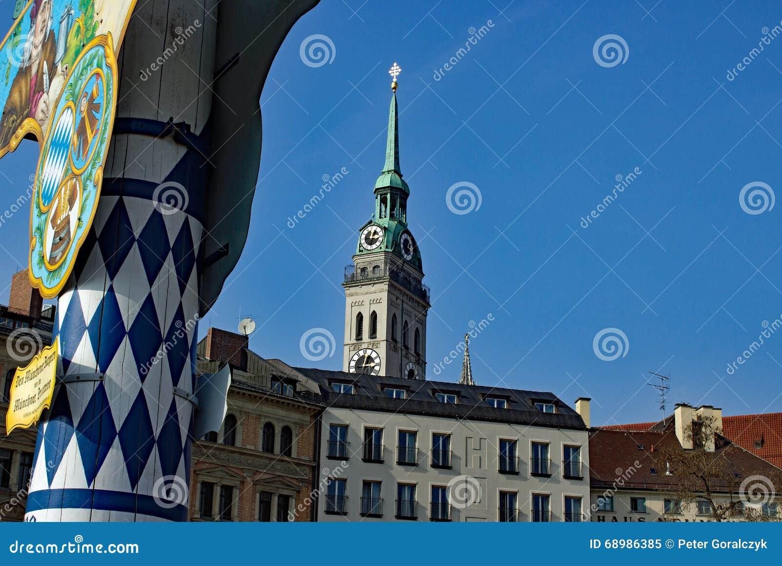 Munich altera a Peter Viktualienmarkt