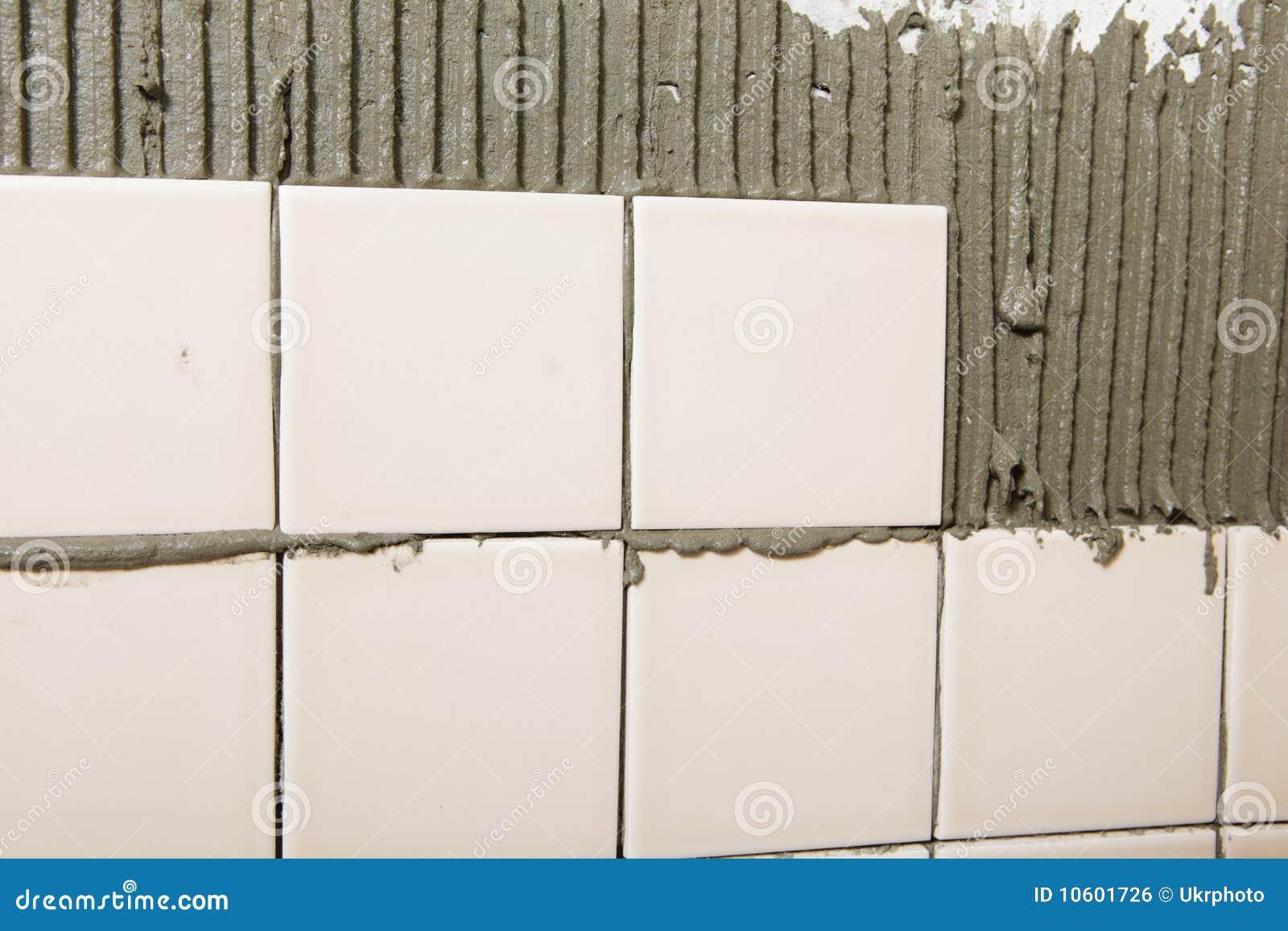 Mur carrelé dans le procédé