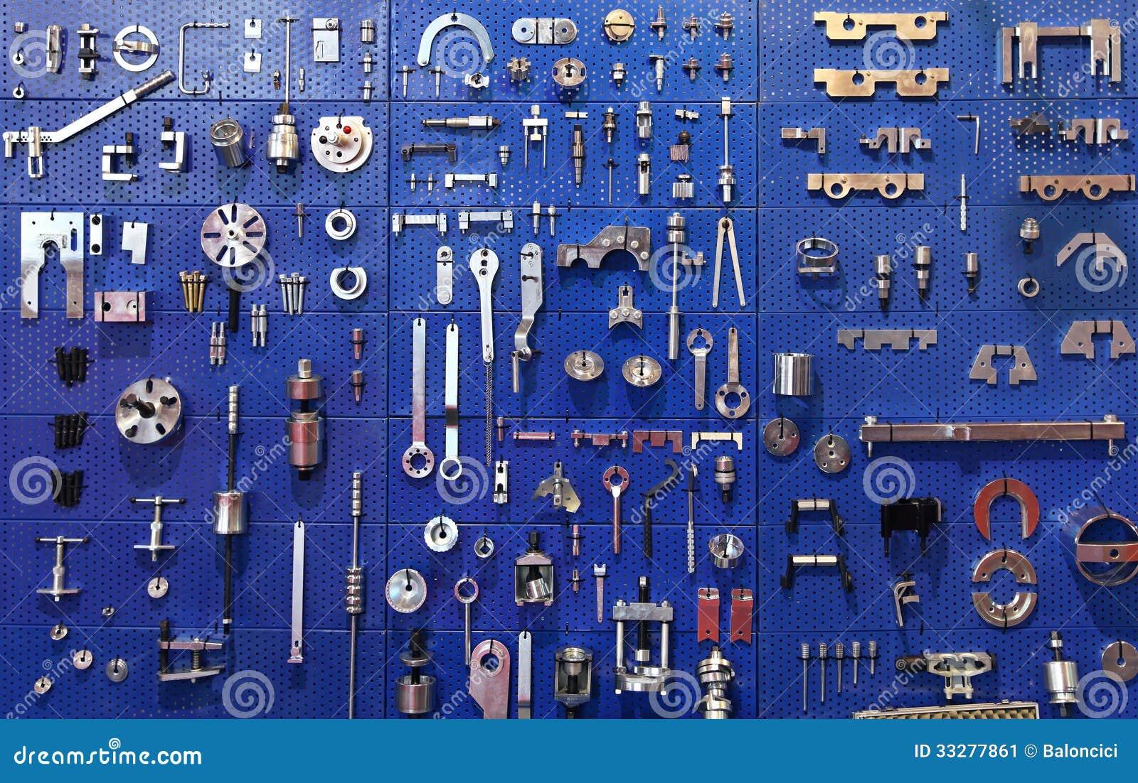 mur d'outils image stock. image du étagère, palourde - 33277861
