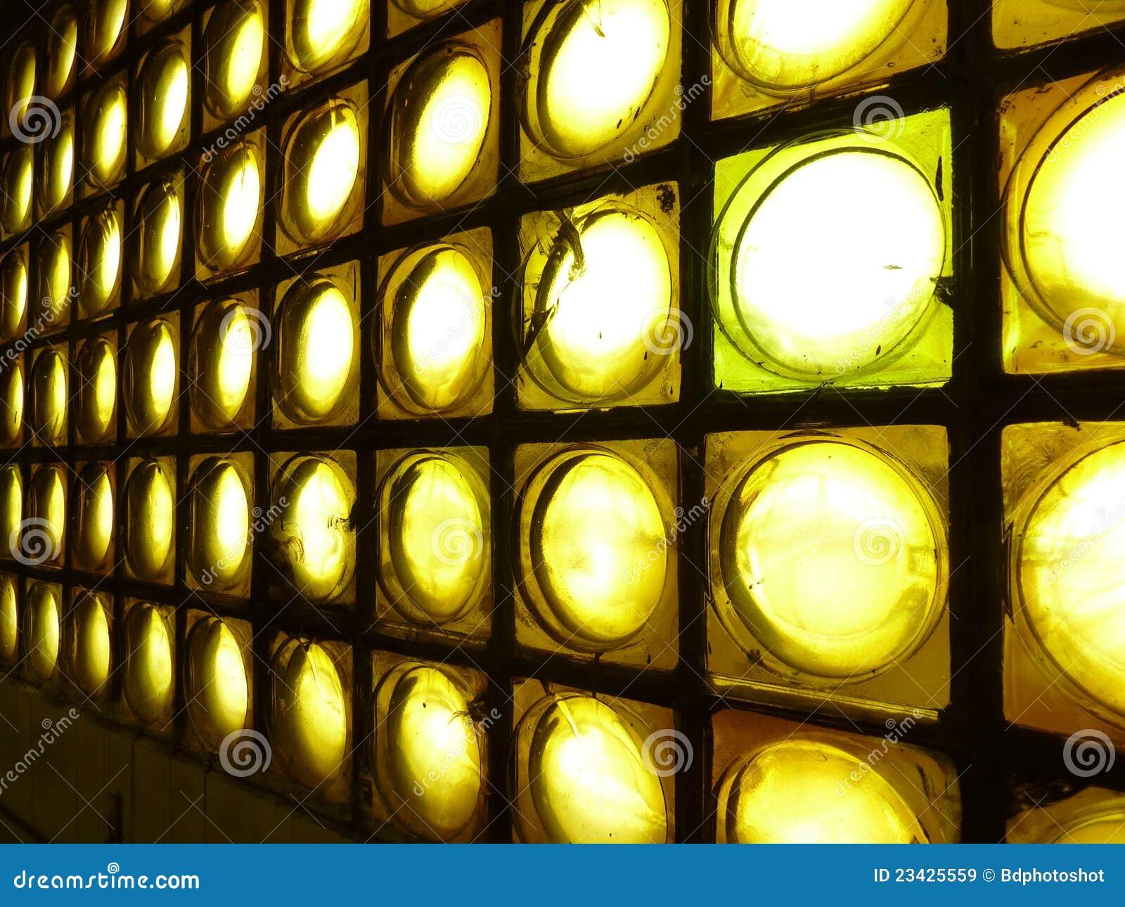 mur de briques en verre jaune image stock image du. Black Bedroom Furniture Sets. Home Design Ideas