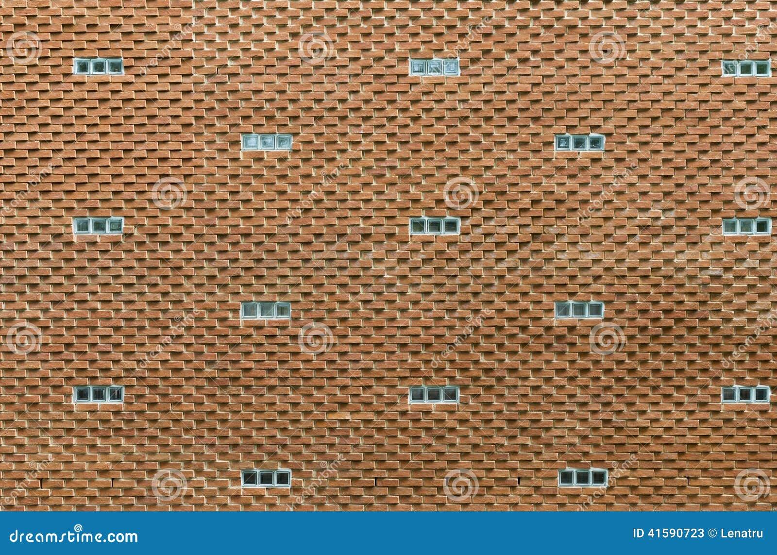 mur de briques rouge original avec de petites fen tres. Black Bedroom Furniture Sets. Home Design Ideas