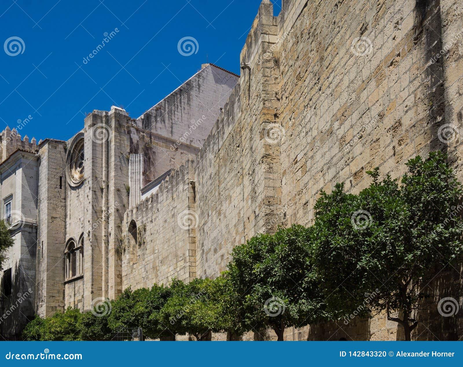 Mur de cathédrale de Lisbonne
