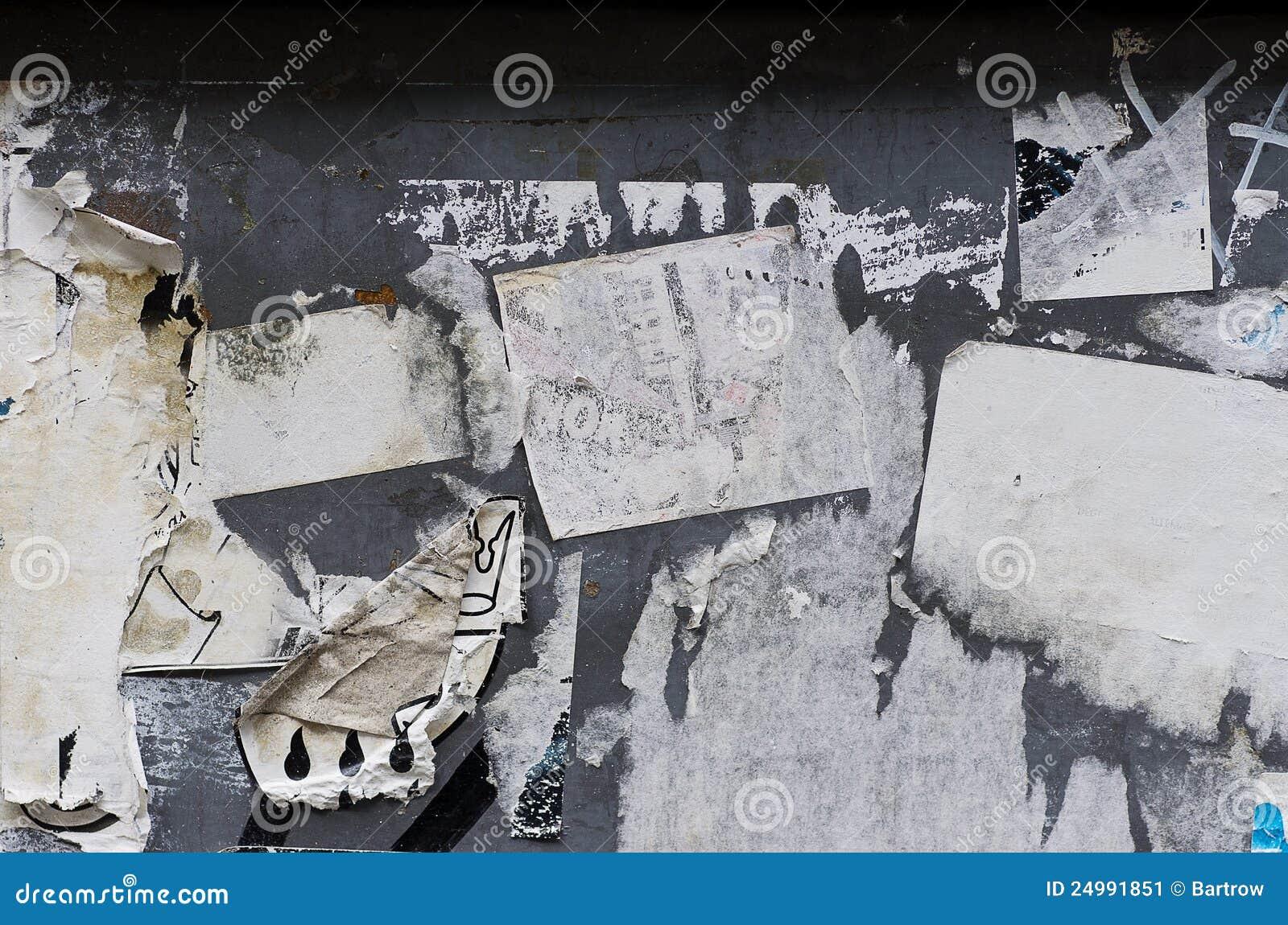Mur de papier déchiré