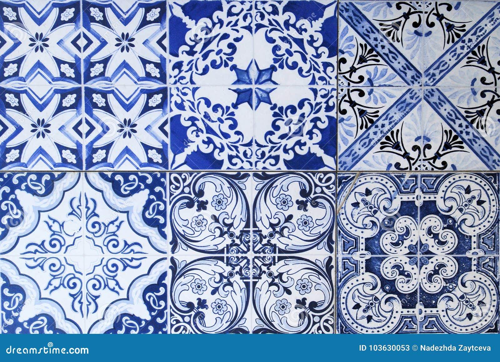 Mur des carreaux de céramique colorés pour le fond