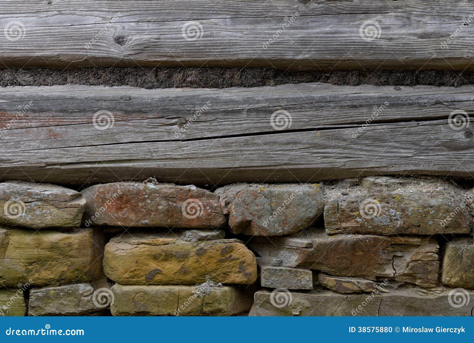 mur en bois avec une base en pierre photo stock image 38575880. Black Bedroom Furniture Sets. Home Design Ideas