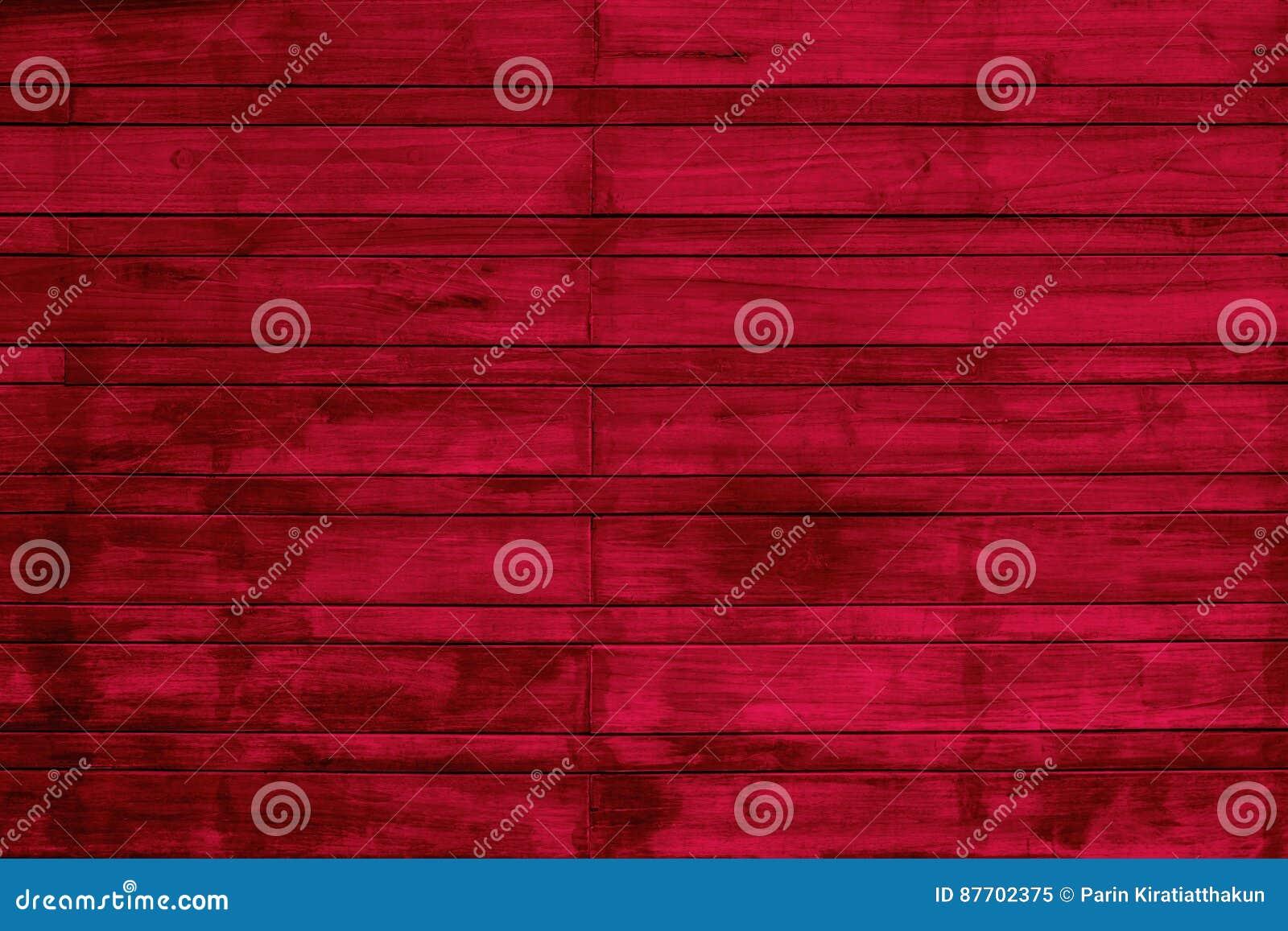 Mur en bois rouge