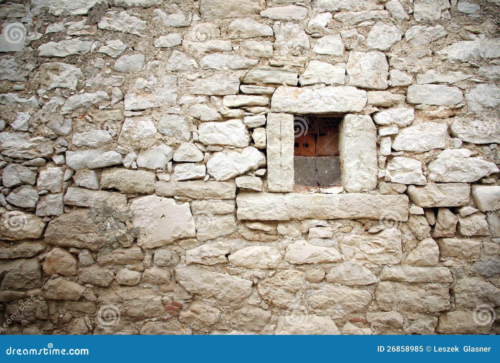 mur en pierre avec le petit fond de texture de fen tre image stock image du vieillissement. Black Bedroom Furniture Sets. Home Design Ideas