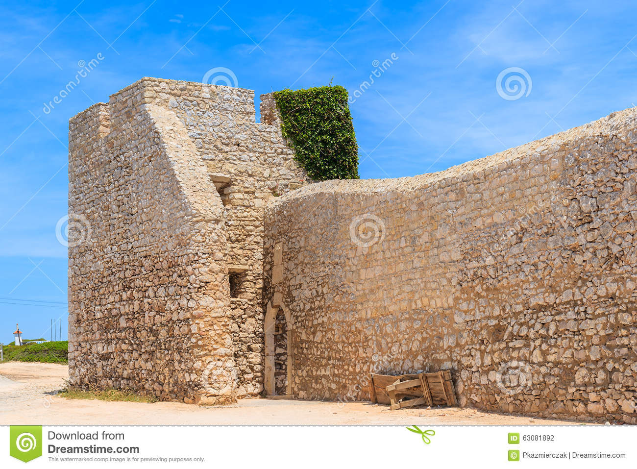 Download Mur En Pierre De Château De Fortaleza De Belixe Photo stock - Image du nature, ciel: 63081892