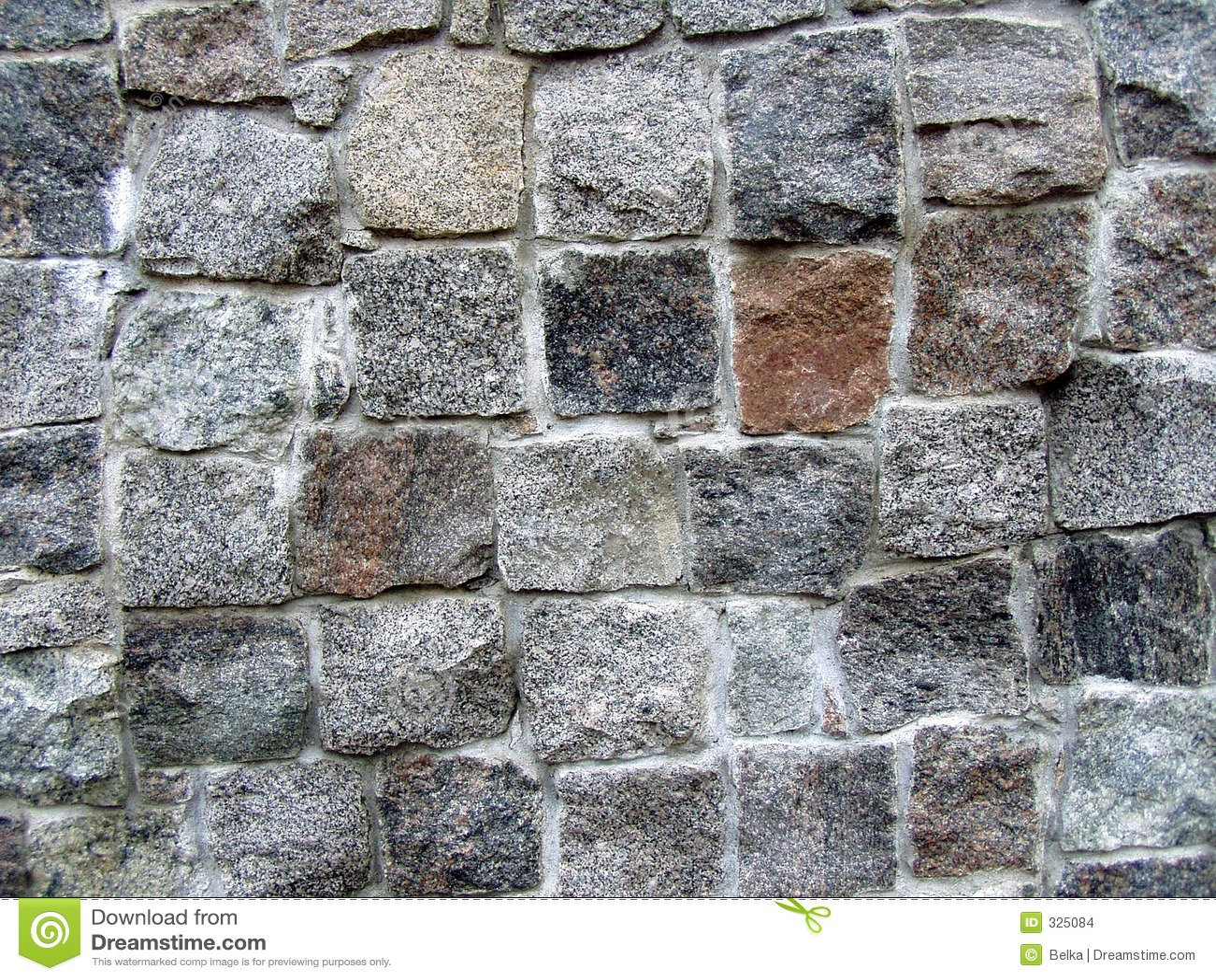 Mur en pierre en partie