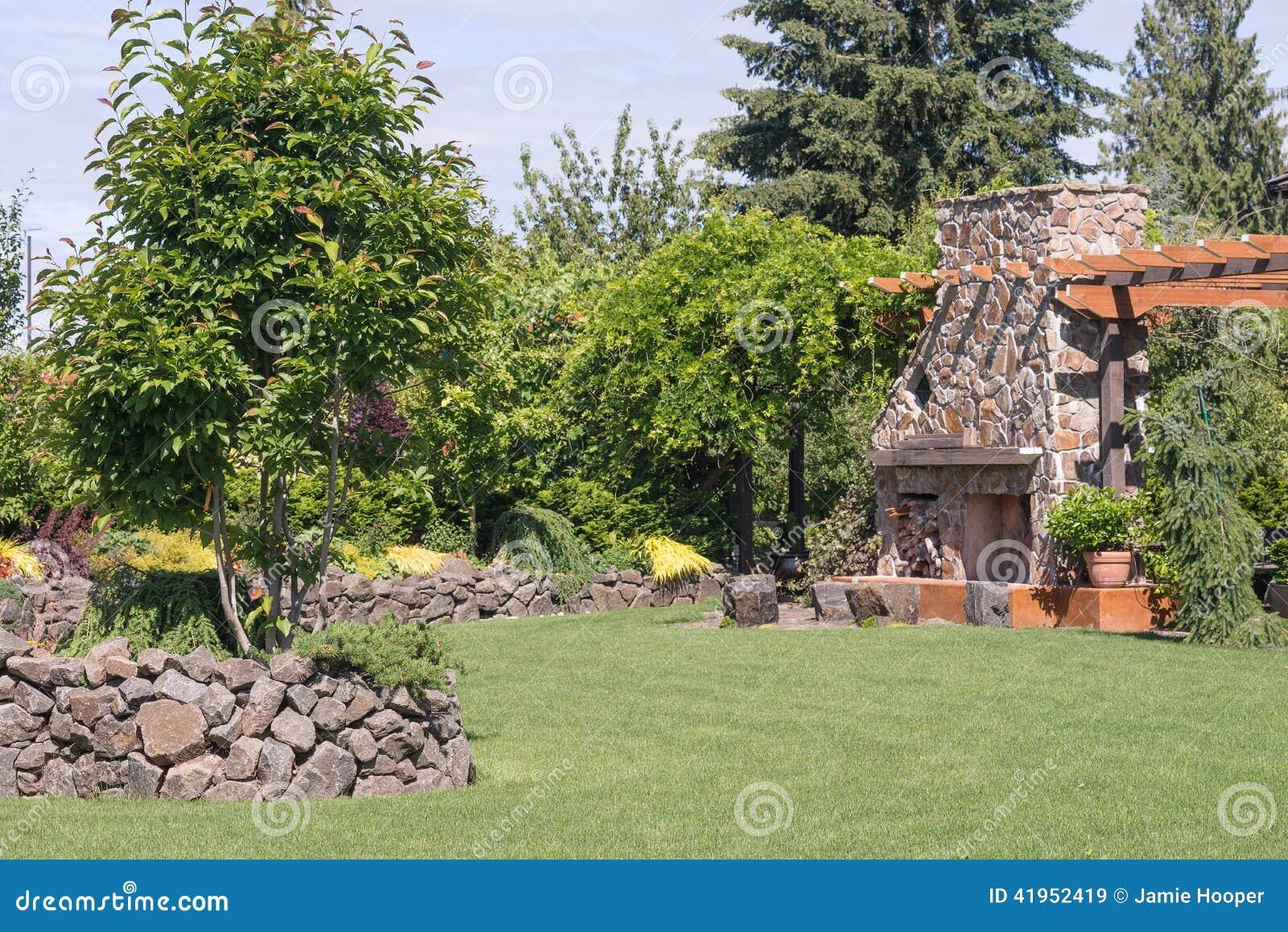 Mur En Pierre Et Cheminee Geante Image Stock Image Du Architecture