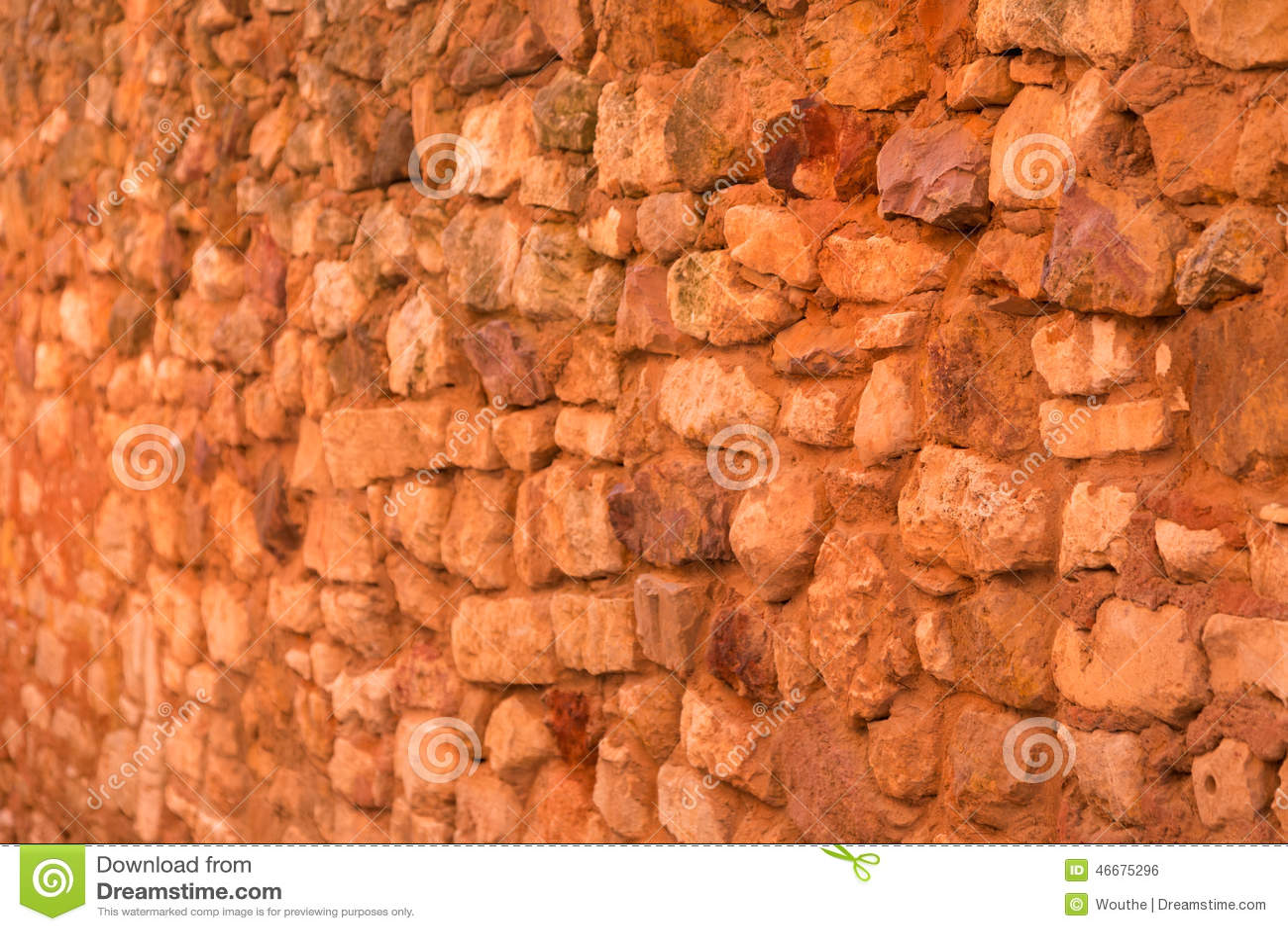 mur en pierre ocre rouge frances dans comt de roussillon provence photo stock image 46675296. Black Bedroom Furniture Sets. Home Design Ideas