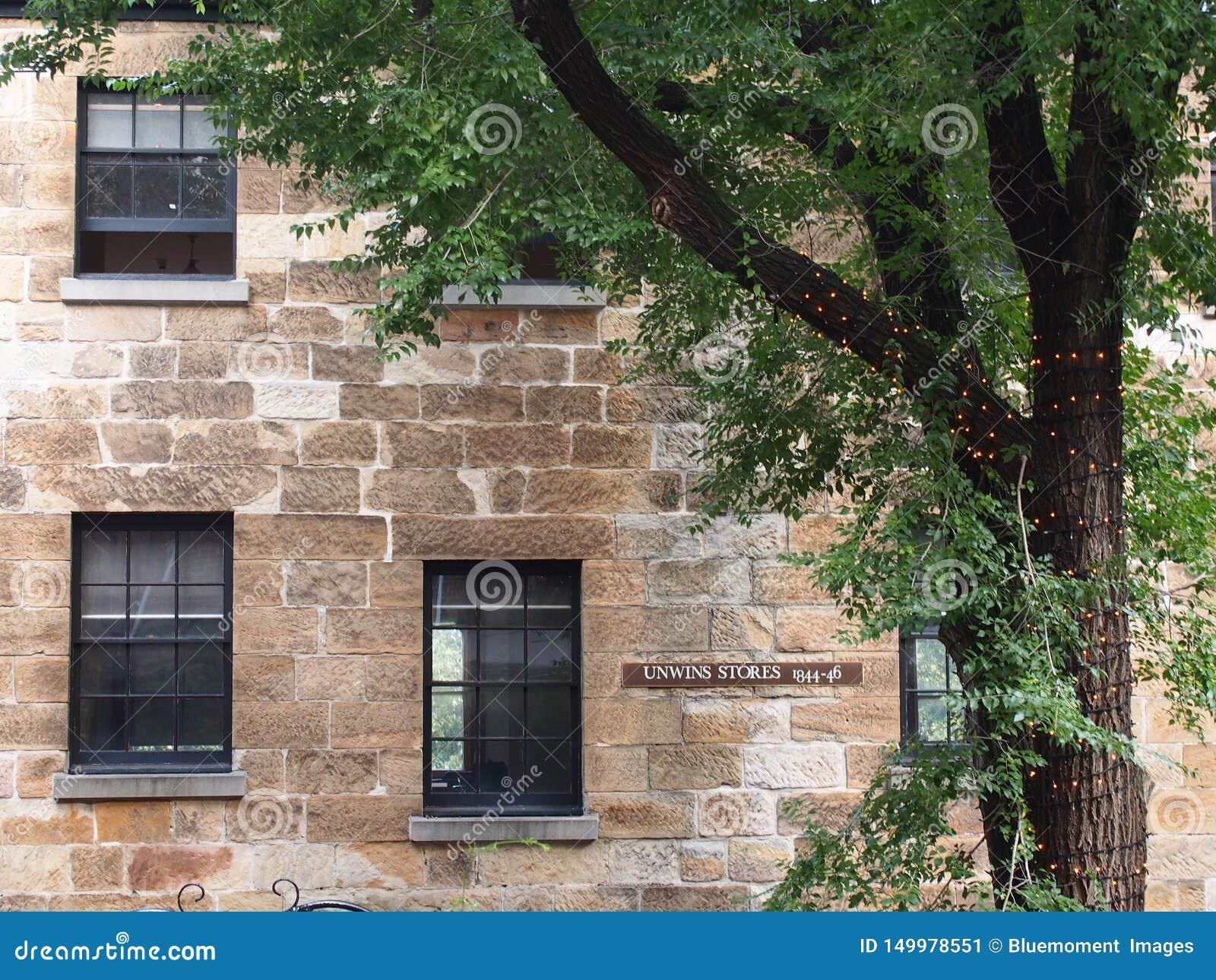 Mur extérieur du vieux bâtiment dans les roches, Sydney Australia