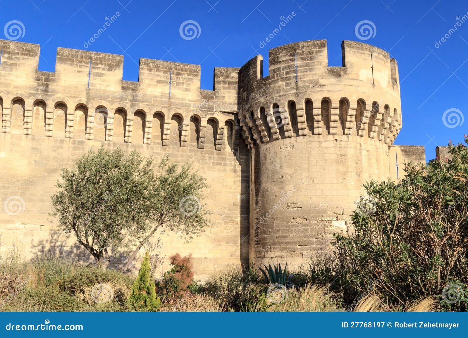 Mur médiéval de ville d Avignon