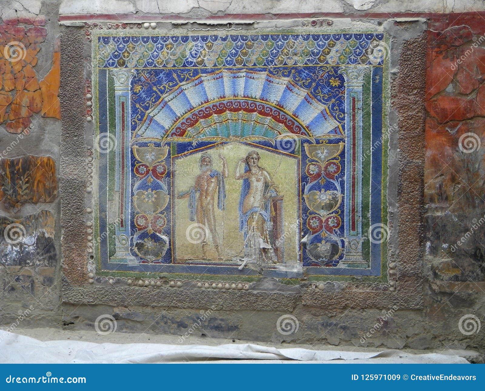 Mural colorido de la pared del chalet del mármol de Herculano, Italia