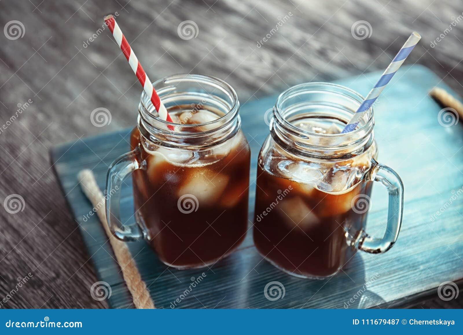 Murarekrus med kallt brygdkaffe