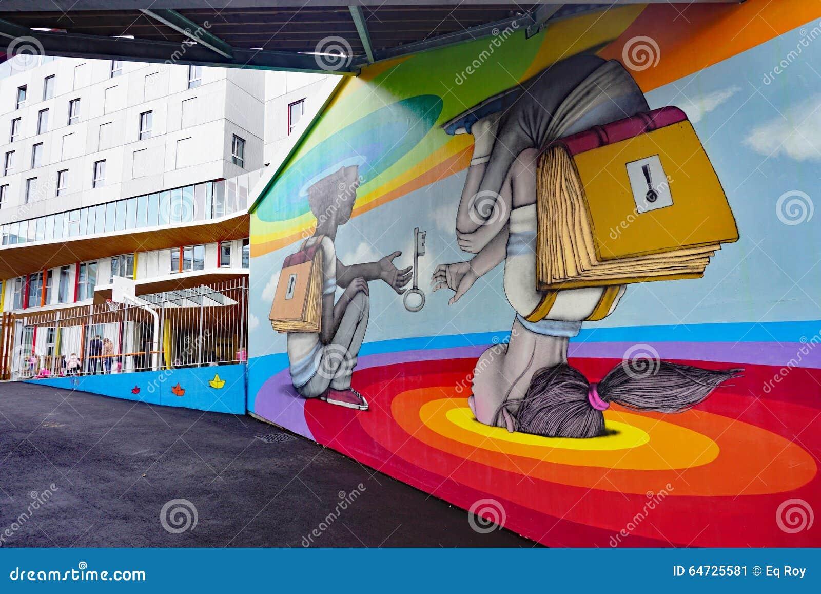 Muri la pittura murala dall artista francese famoso Seth Globepainter della via a Parigi