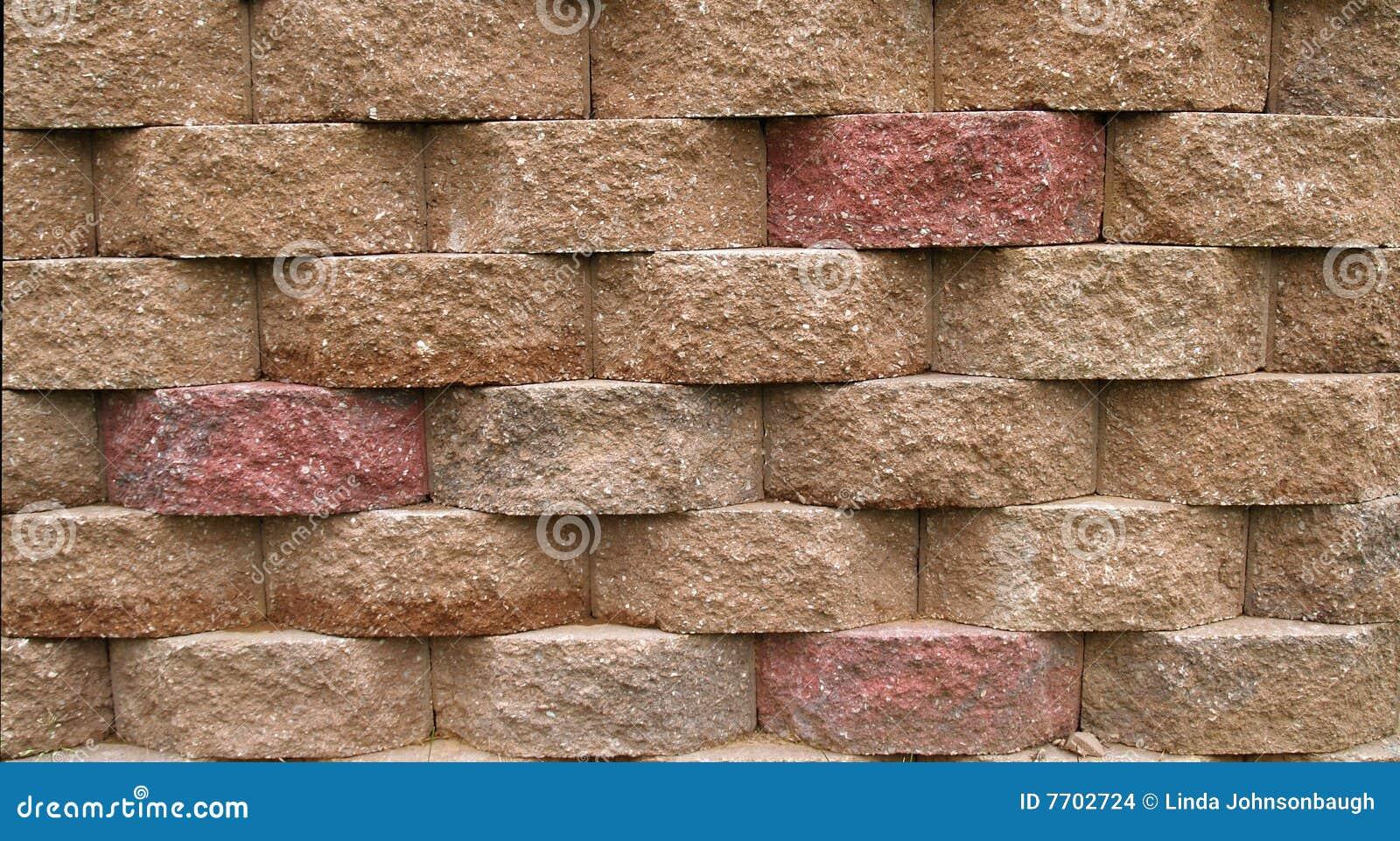 Muro de contenci n del bloque imagenes de archivo imagen for Construir muro de bloques