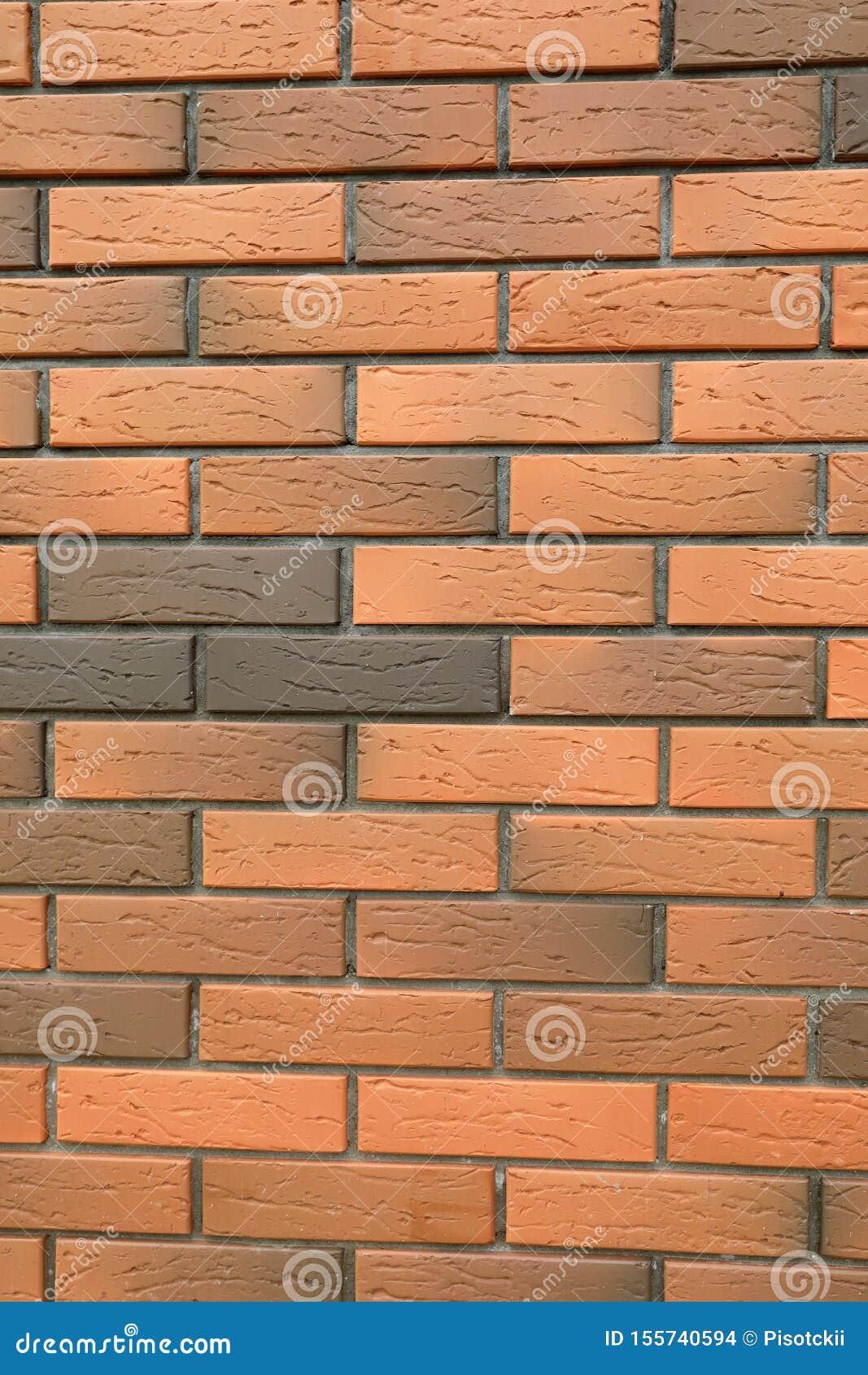 Muro di mattoni del primo piano di costruzione
