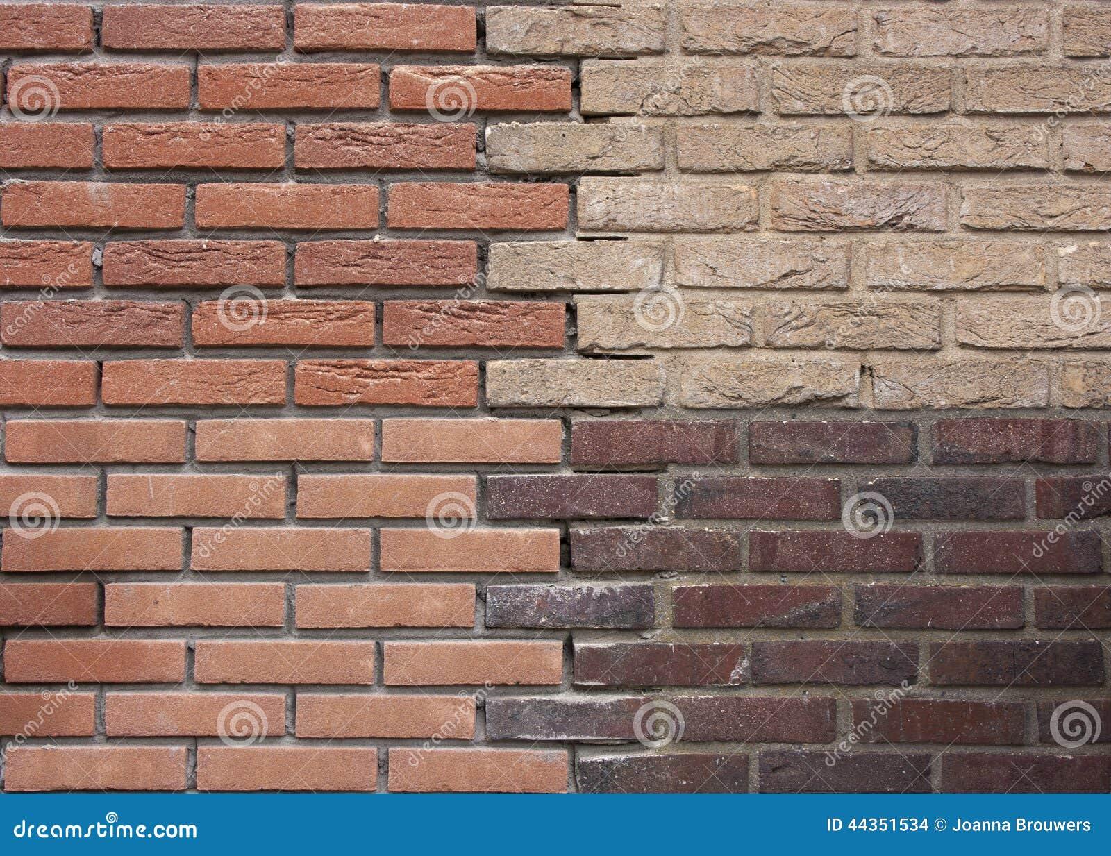 Muro di mattoni di una casa rinnovata